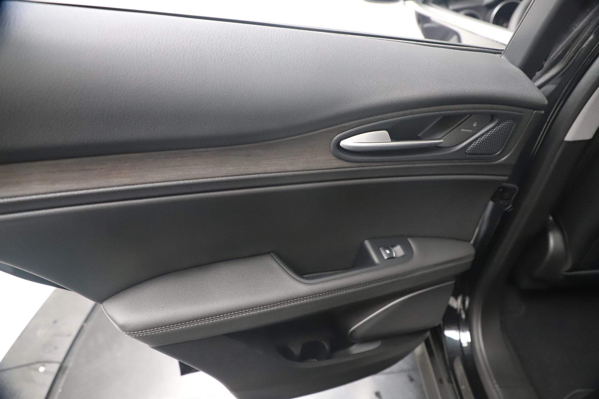 New 2019 Alfa Romeo Stelvio Ti Q4 For Sale In Westport, CT 3330_p21