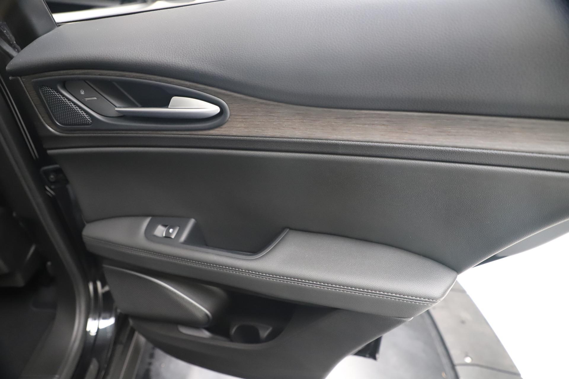 New 2019 Alfa Romeo Stelvio Ti Q4 For Sale In Westport, CT 3330_p29