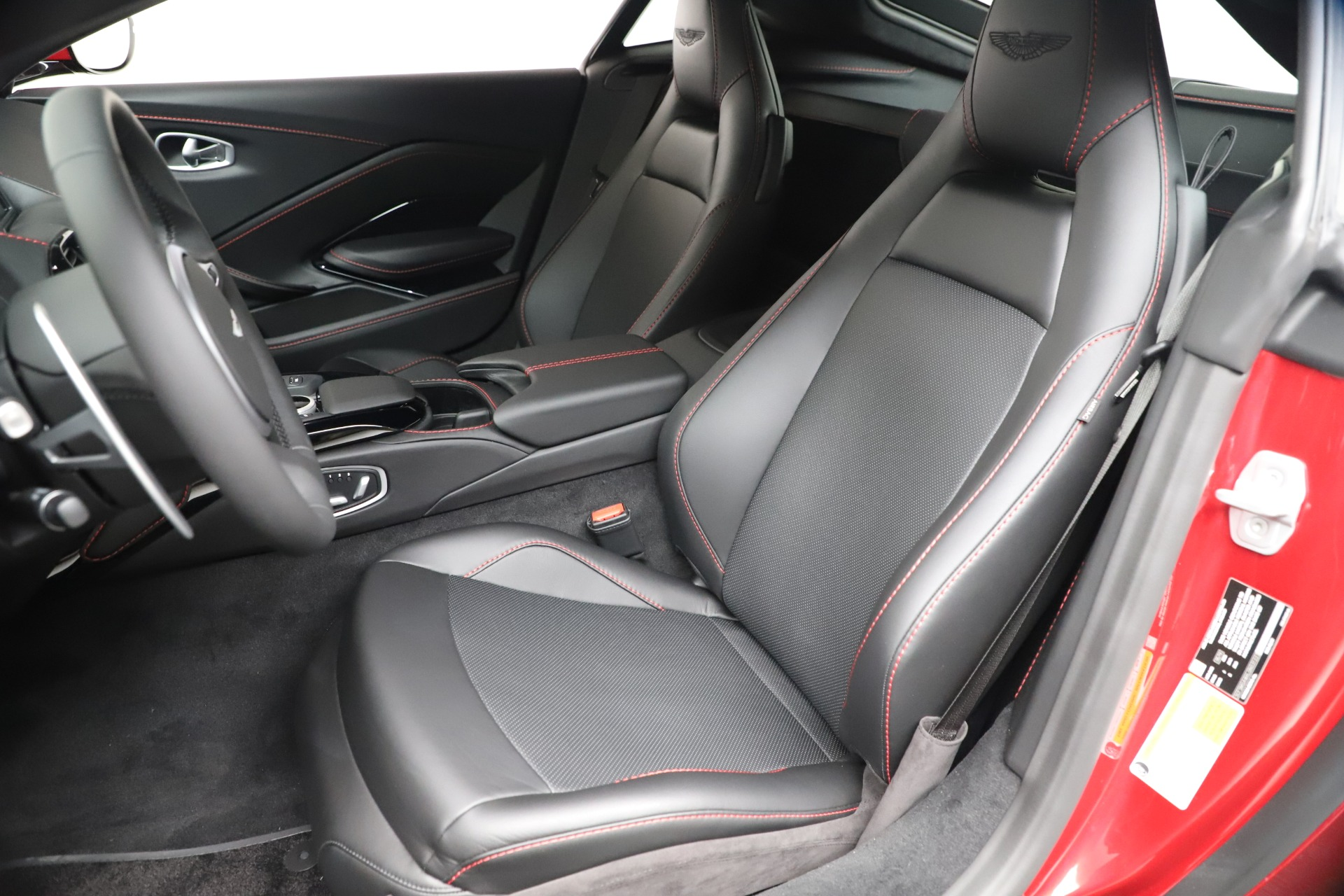 New 2020 Aston Martin Vantage V8 For Sale In Westport, CT 3343_p15
