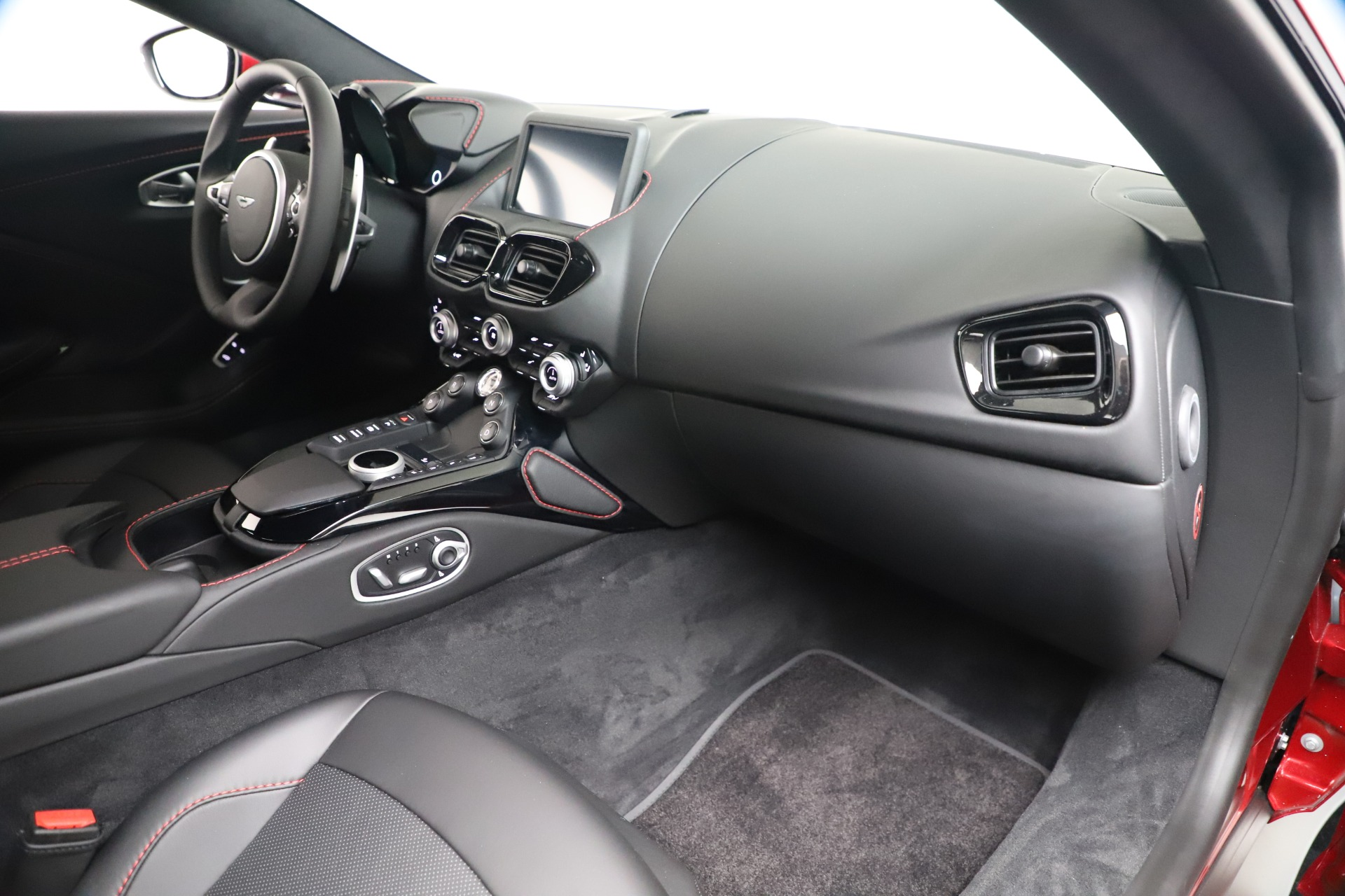 New 2020 Aston Martin Vantage V8 For Sale In Westport, CT 3343_p18
