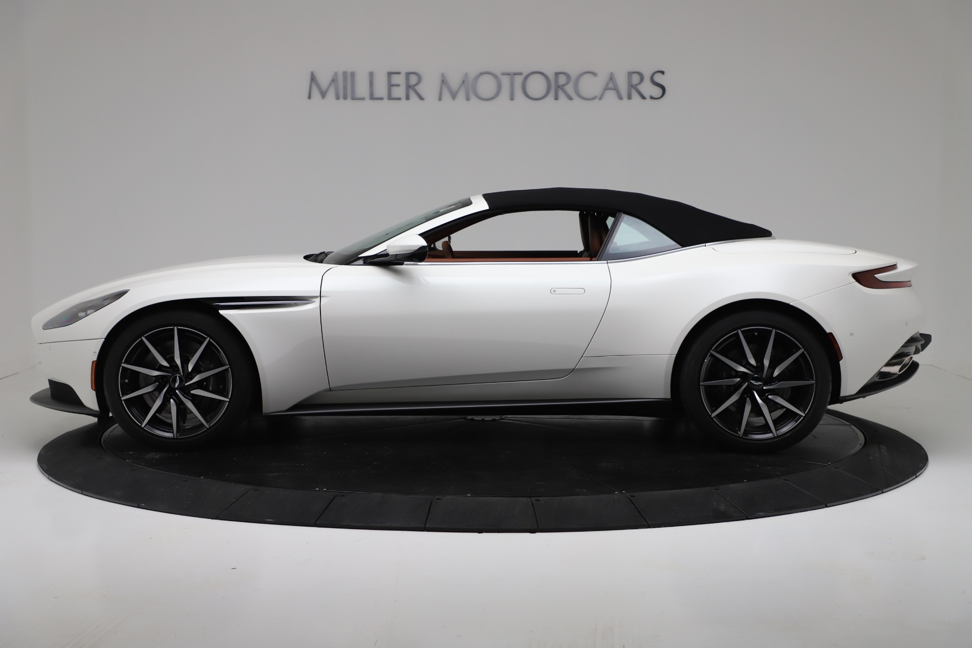 New 2019 Aston Martin DB11 V8 For Sale In Westport, CT 3344_p14