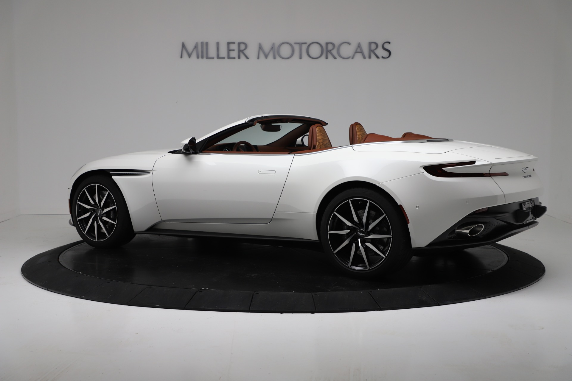 New 2019 Aston Martin DB11 V8 For Sale In Westport, CT 3344_p4