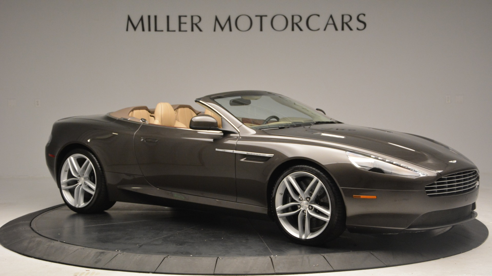 Used 2012 Aston Martin Virage Convertible For Sale In Westport, CT 3351_p10