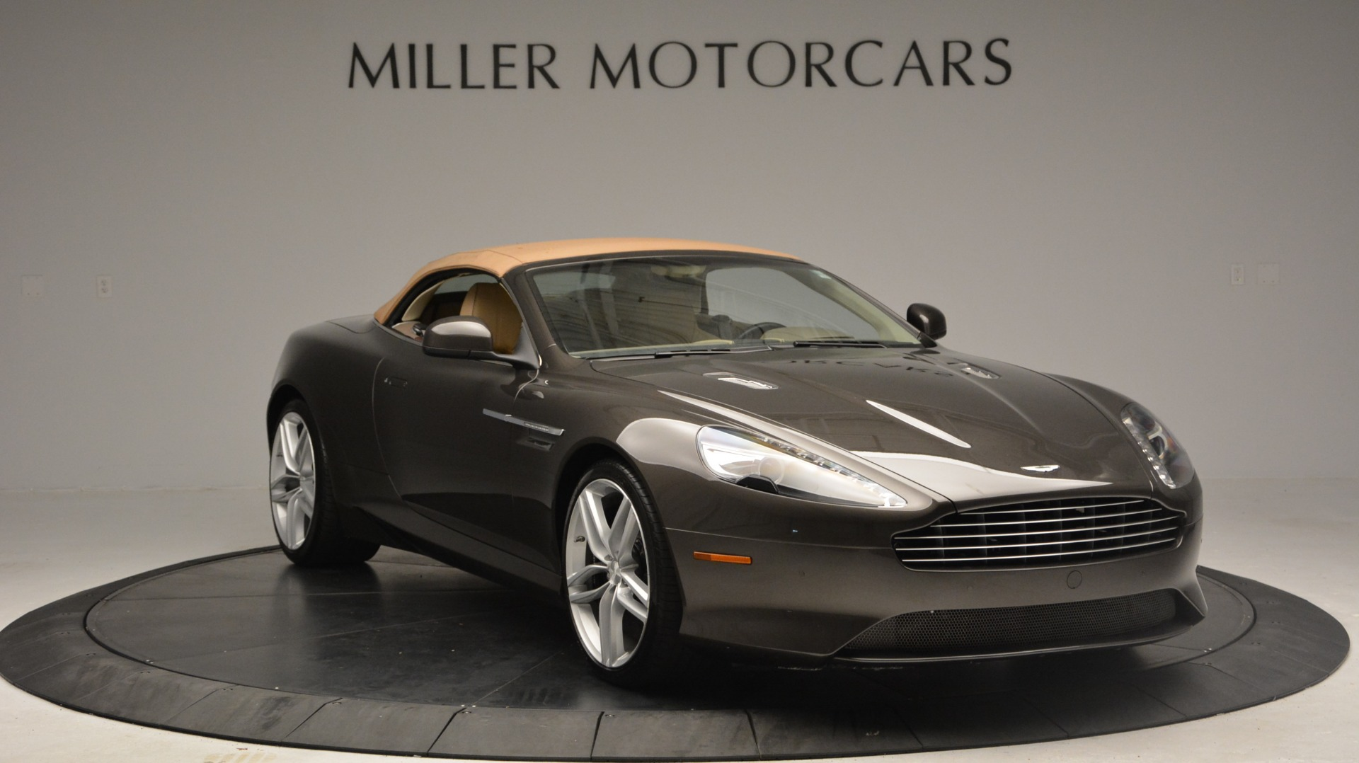 Used 2012 Aston Martin Virage Convertible For Sale In Westport, CT 3351_p20