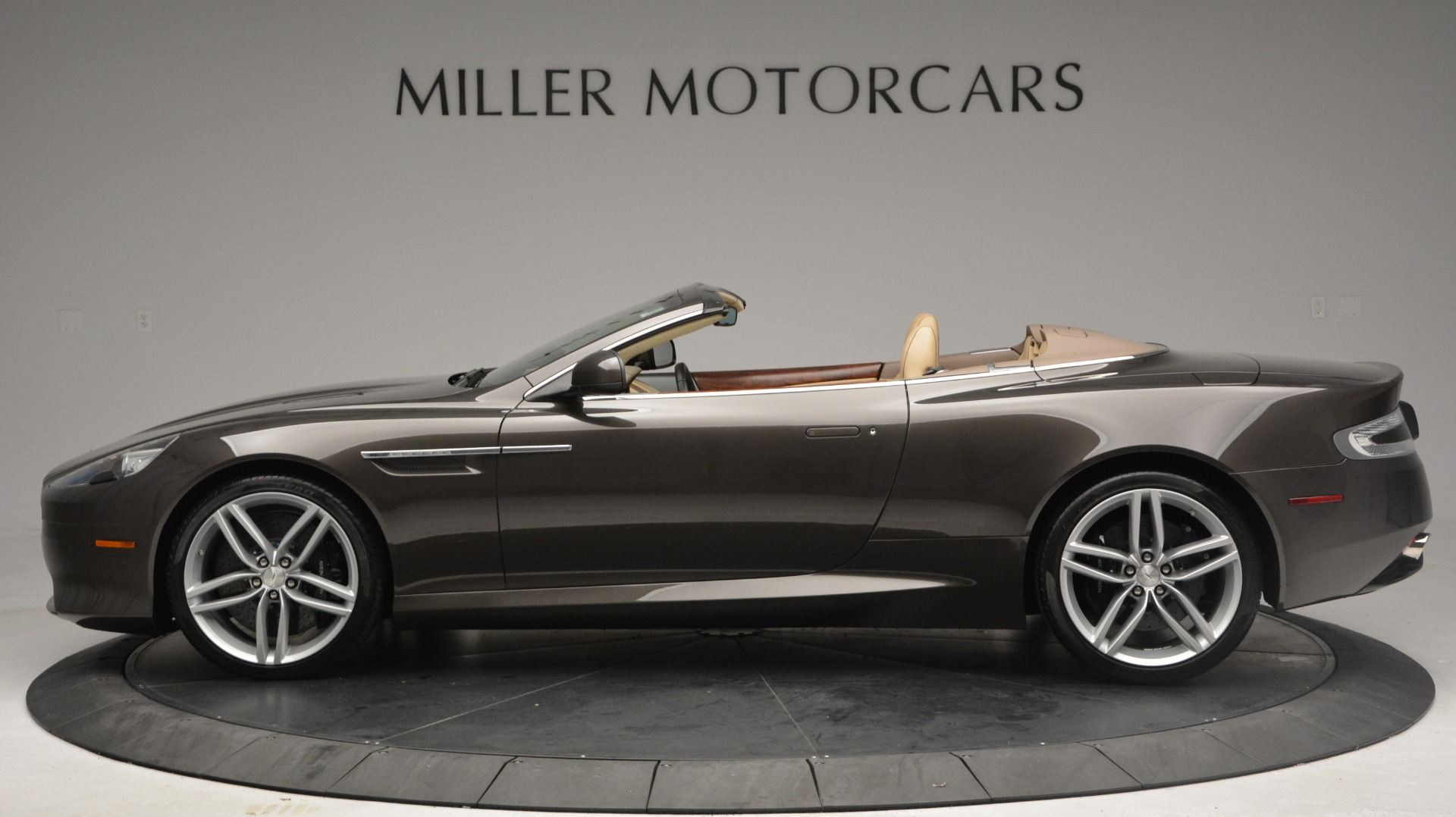 Used 2012 Aston Martin Virage Convertible For Sale In Westport, CT 3351_p3