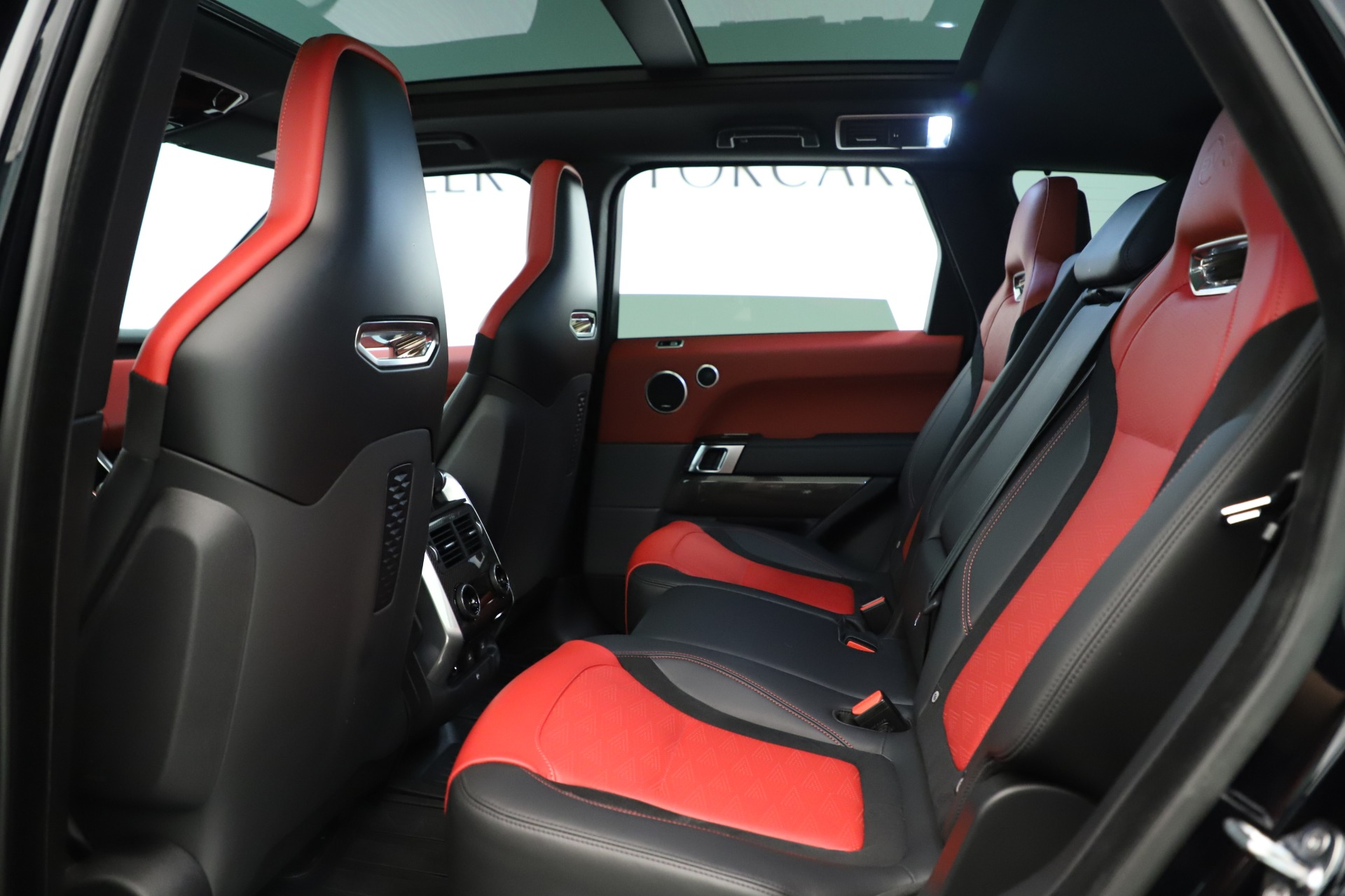 Used 2019 Land Rover Range Rover Sport SVR For Sale In Westport, CT 3353_p17