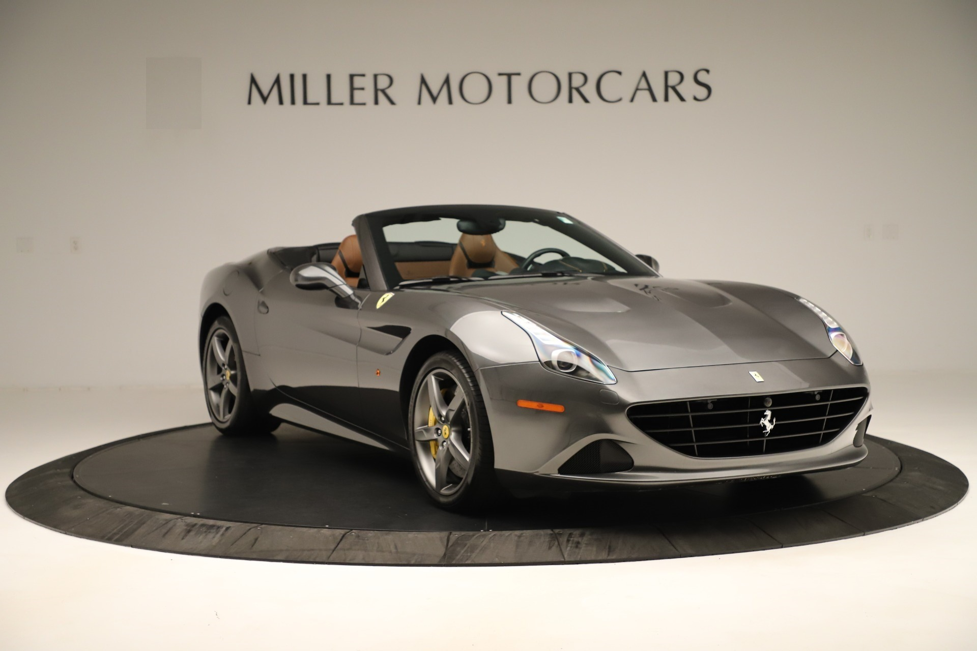 Used 2015 Ferrari California T  For Sale In Westport, CT 3354_p11