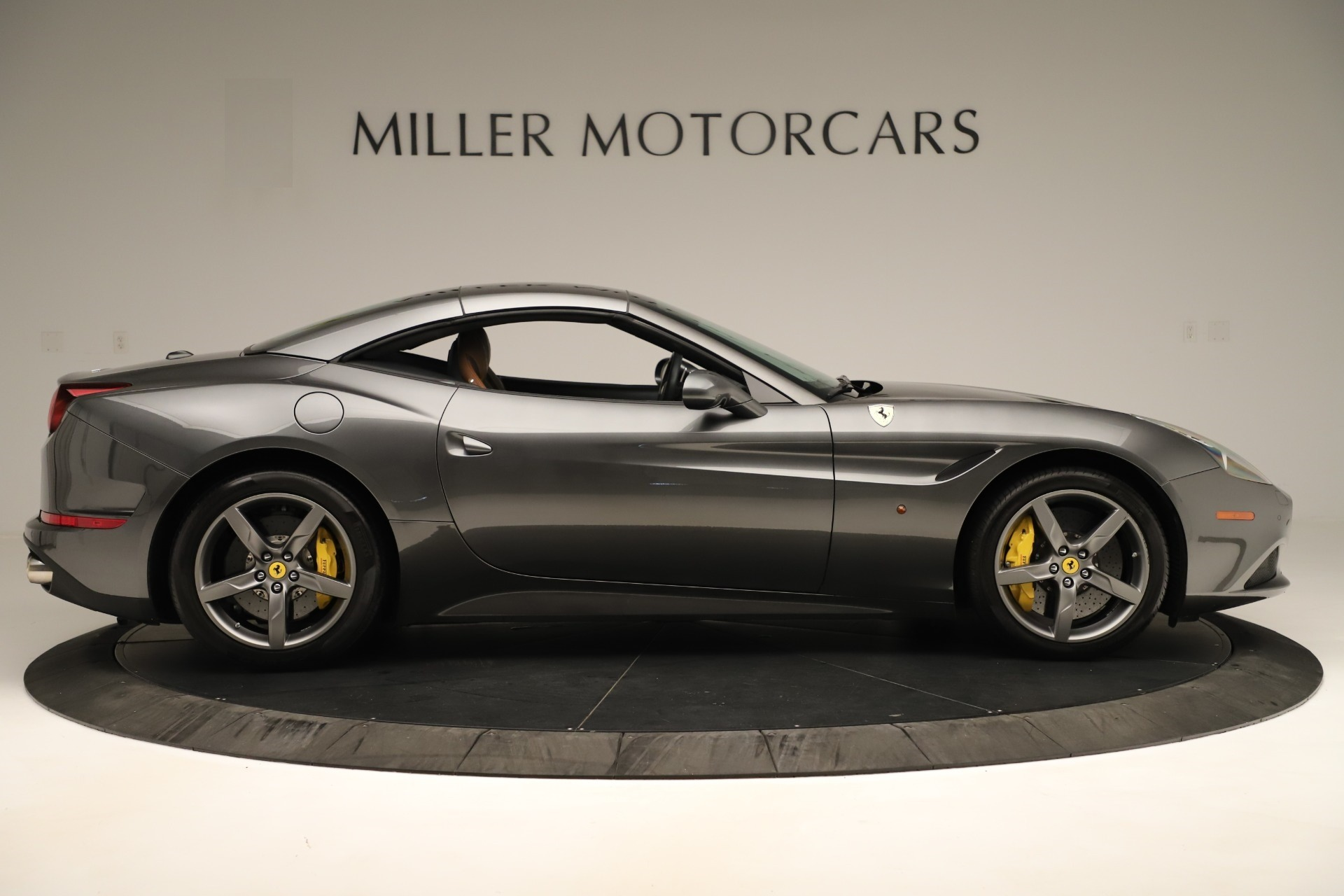 Used 2015 Ferrari California T  For Sale In Westport, CT 3354_p17