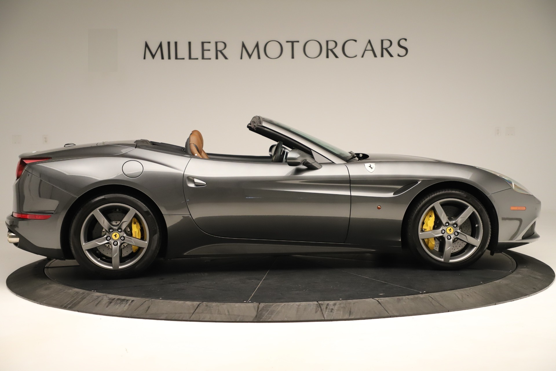 Used 2015 Ferrari California T  For Sale In Westport, CT 3354_p9