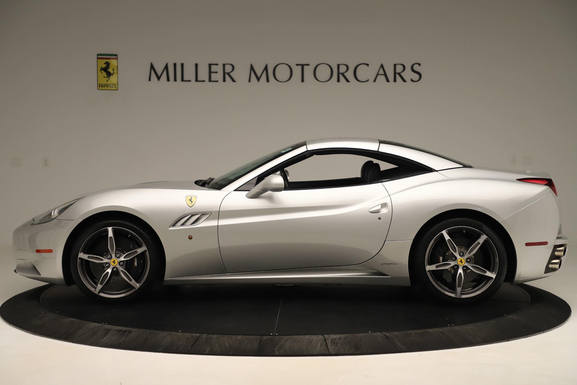 Used 2014 Ferrari California 30 For Sale In Westport, CT 3355_p14