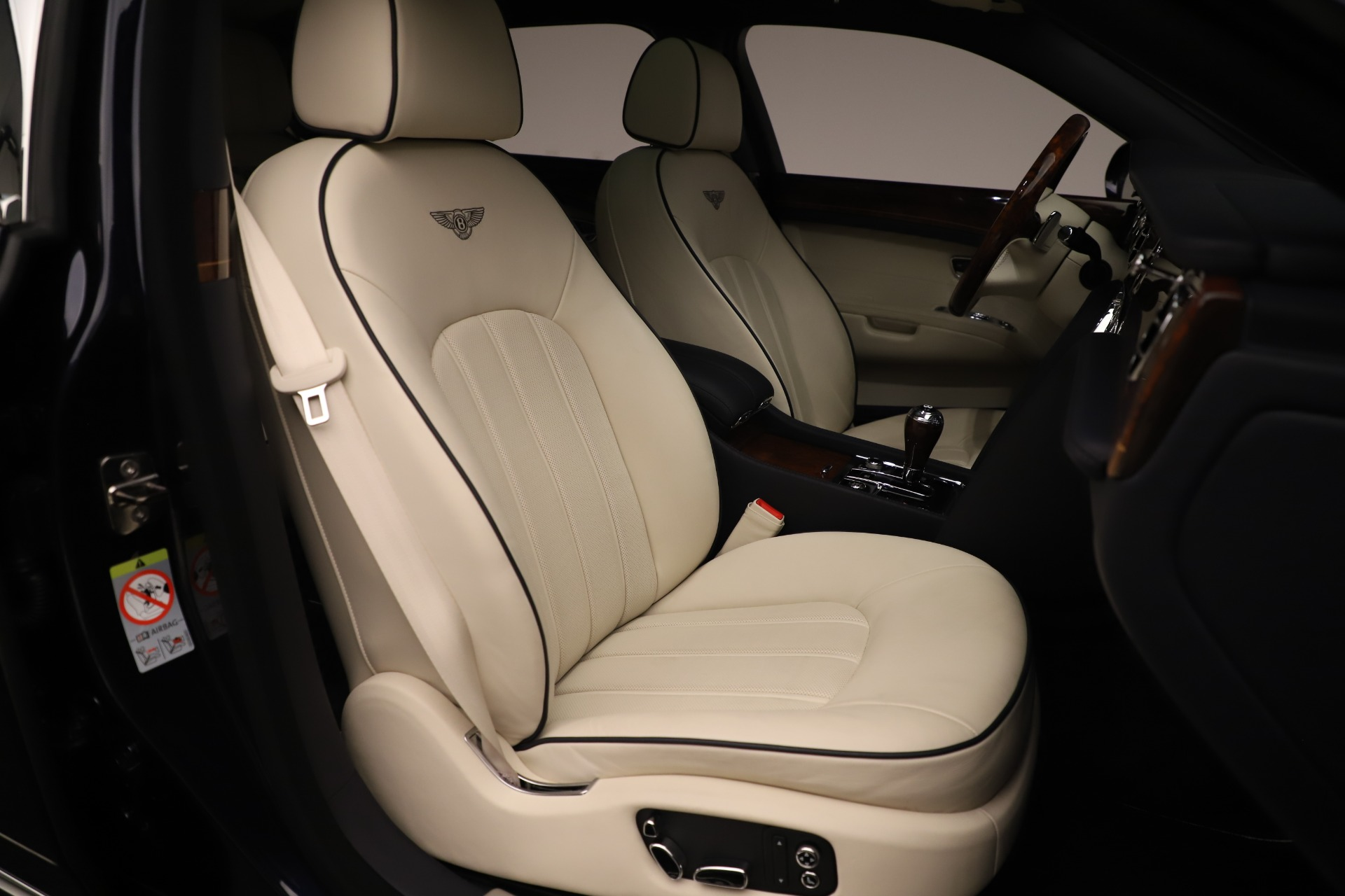 Used 2016 Bentley Mulsanne  For Sale In Westport, CT 3358_p27