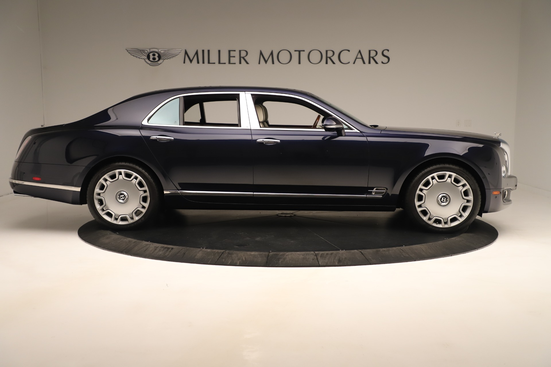 Used 2016 Bentley Mulsanne  For Sale In Westport, CT 3358_p9