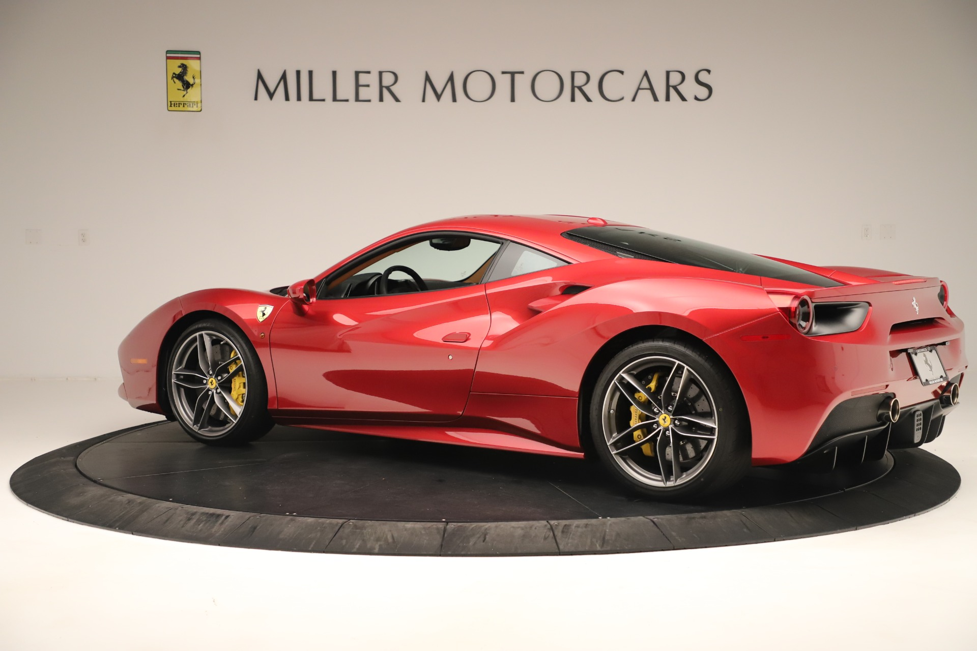 Used 2018 Ferrari 488 GTB  For Sale In Westport, CT 3362_p4