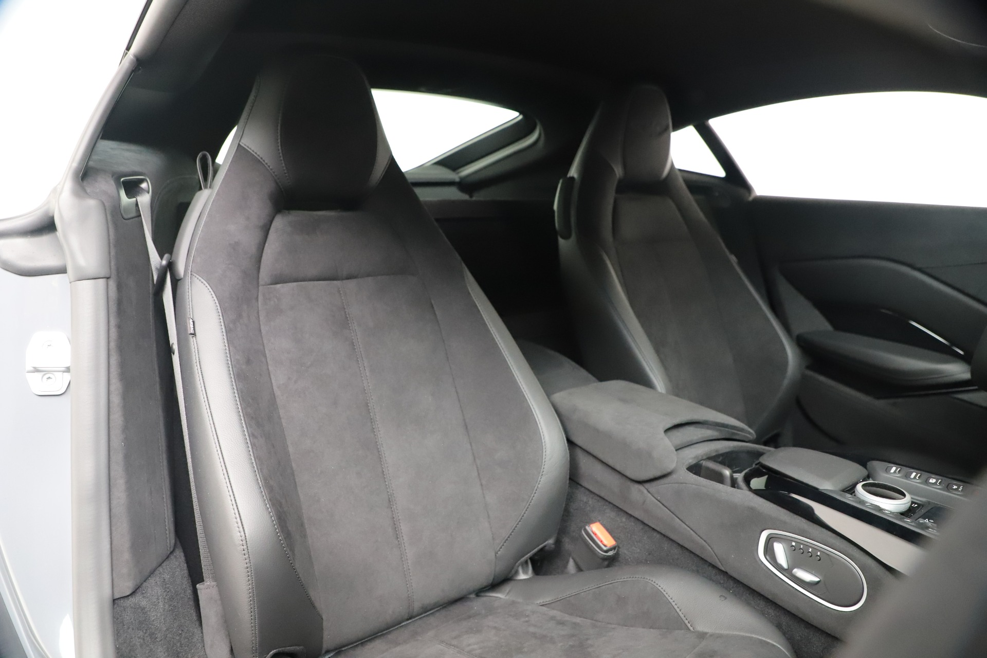 New 2020 Aston Martin Vantage Coupe For Sale In Westport, CT 3368_p15