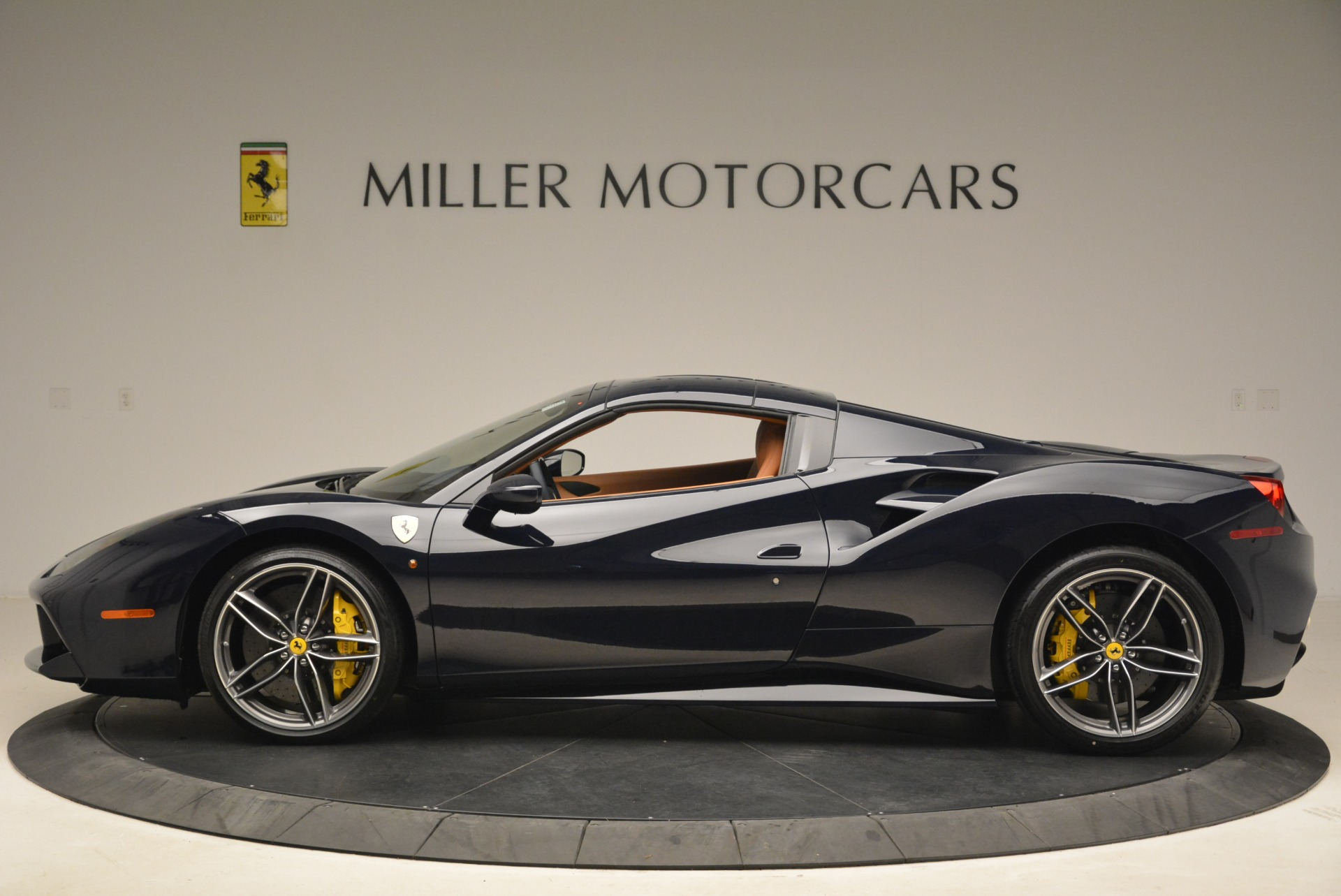 Used 2018 Ferrari 488 Spider  For Sale In Westport, CT 3371_p15