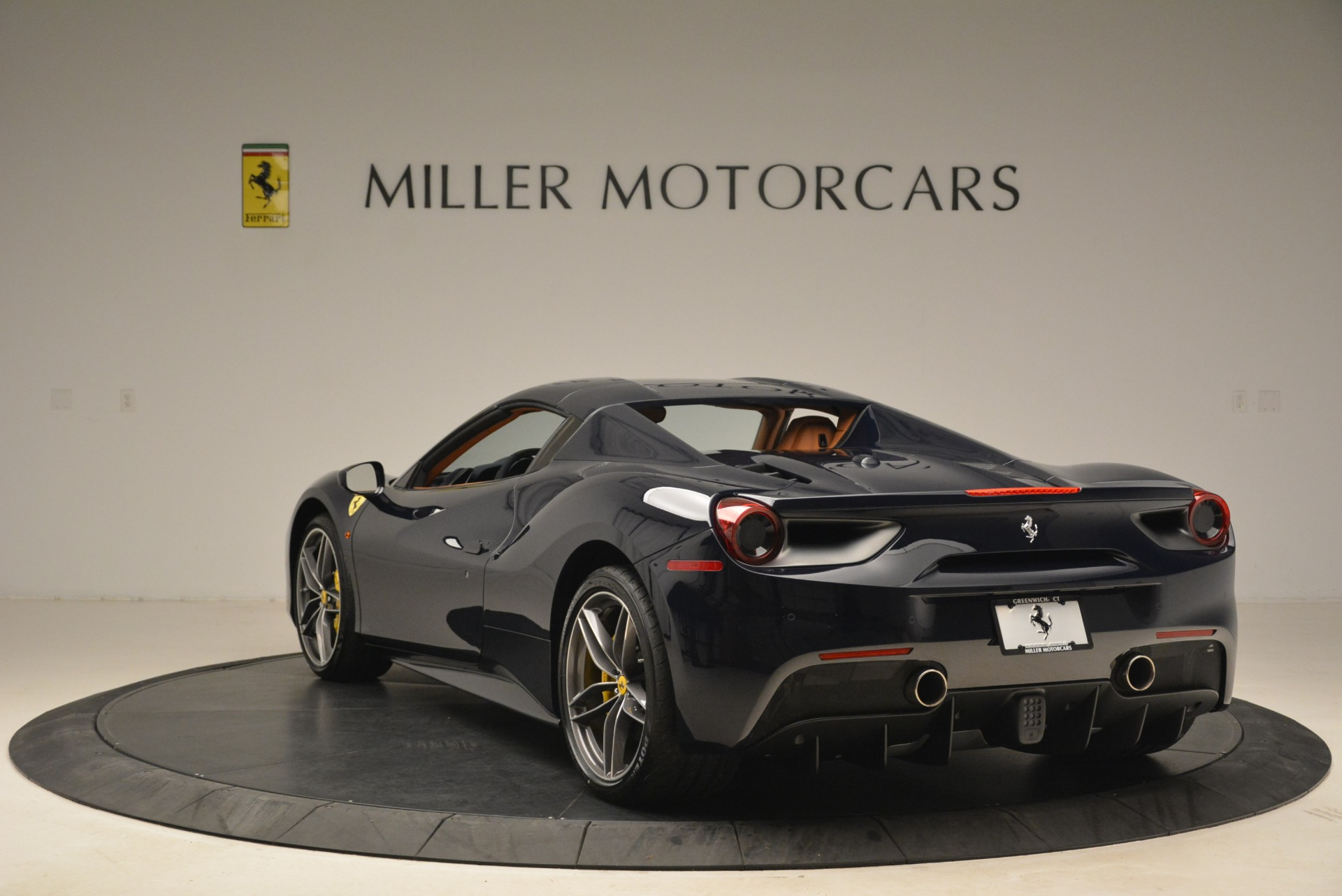 Used 2018 Ferrari 488 Spider  For Sale In Westport, CT 3371_p17