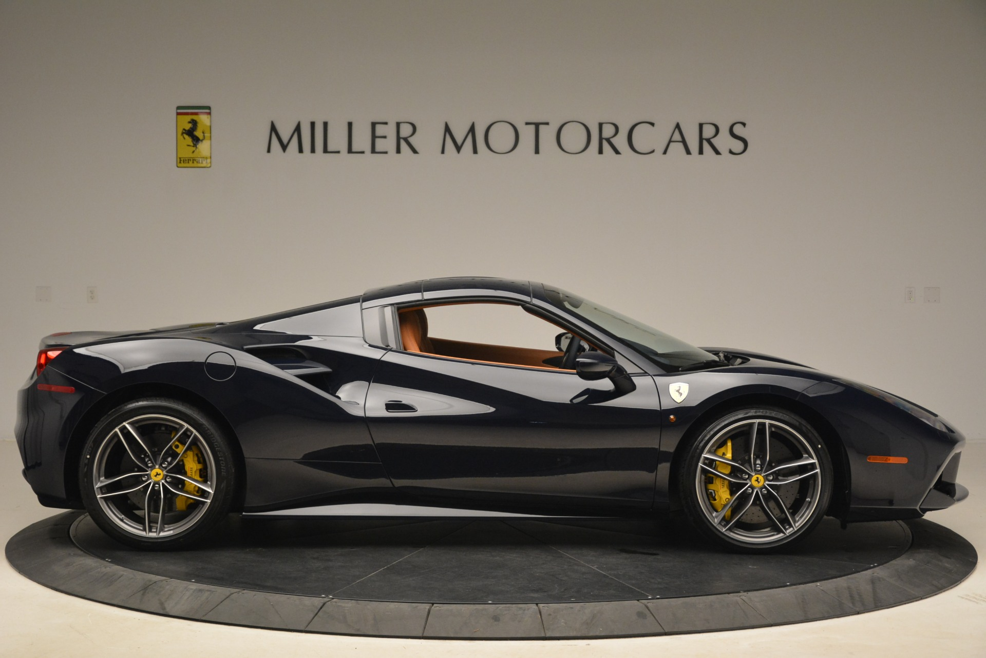 Used 2018 Ferrari 488 Spider  For Sale In Westport, CT 3371_p21