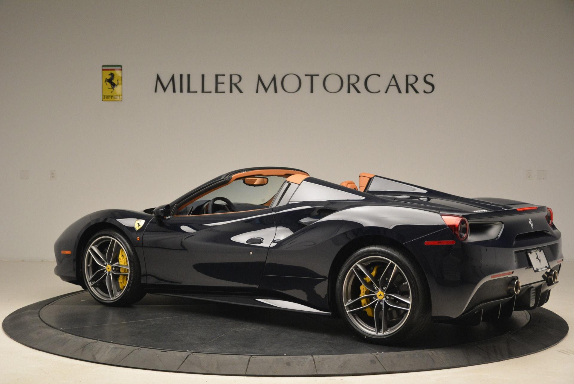 Used 2018 Ferrari 488 Spider  For Sale In Westport, CT 3371_p4