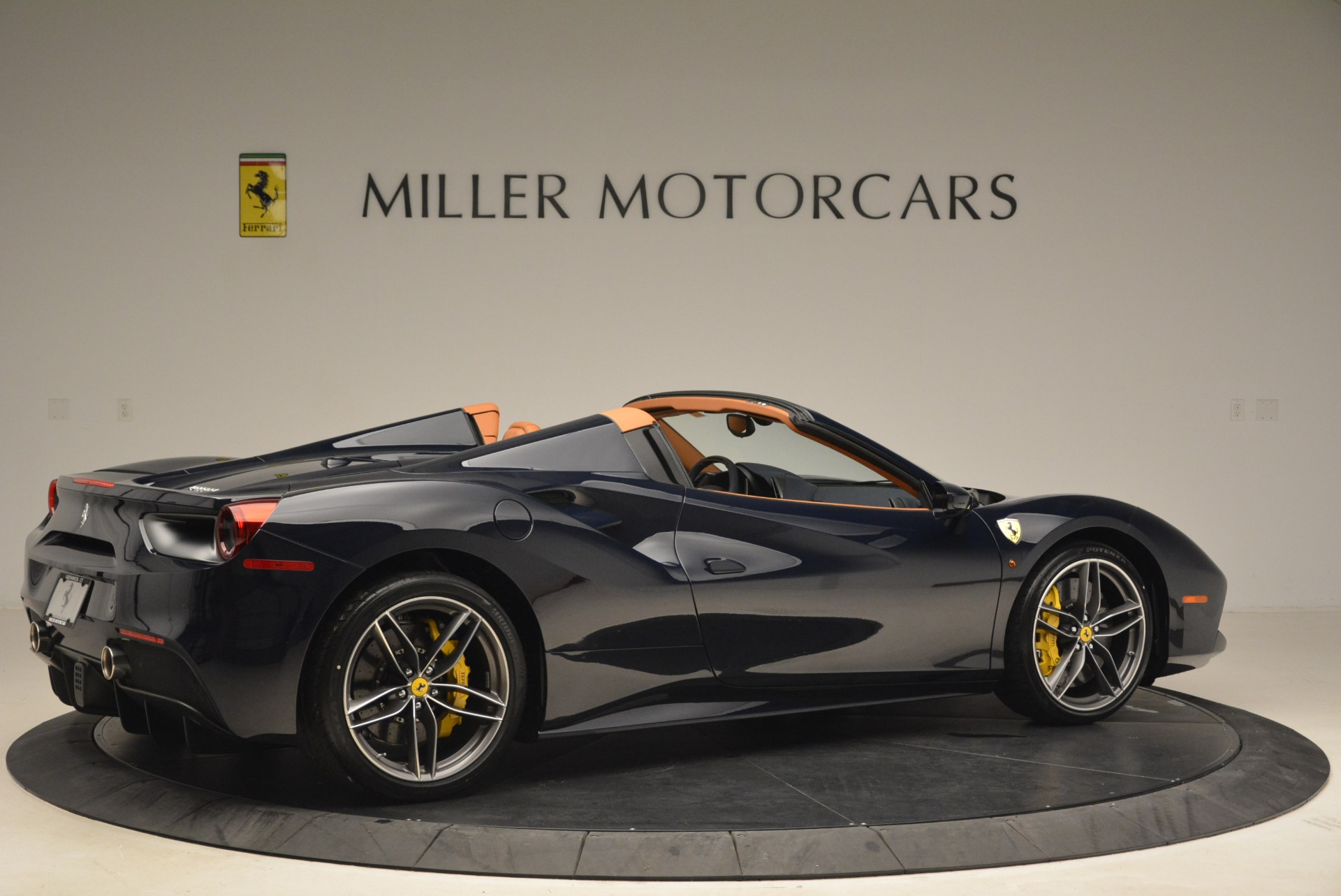 Used 2018 Ferrari 488 Spider  For Sale In Westport, CT 3371_p8