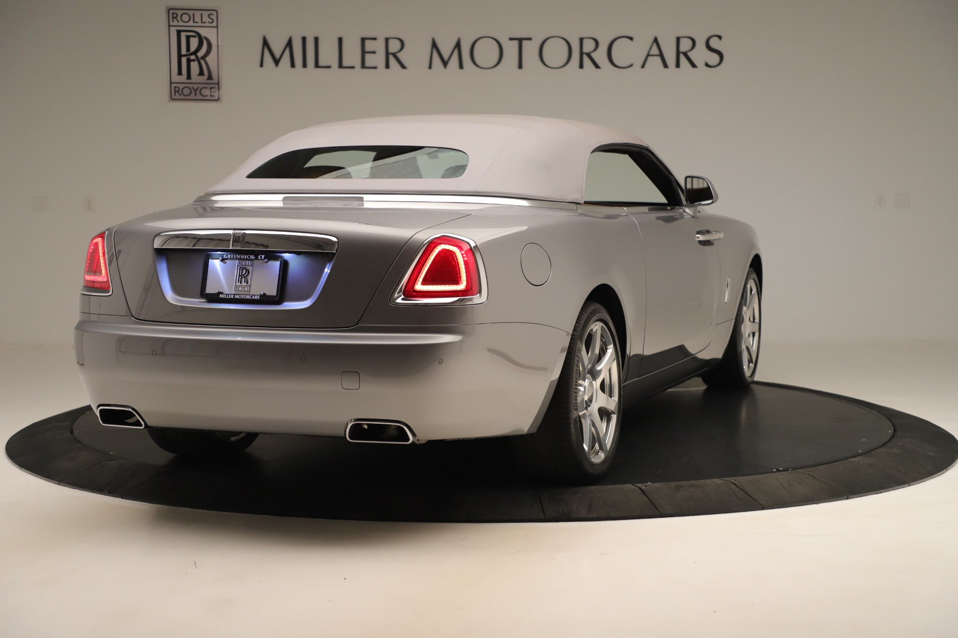 Used 2016 Rolls-Royce Dawn  For Sale In Westport, CT 3373_p13