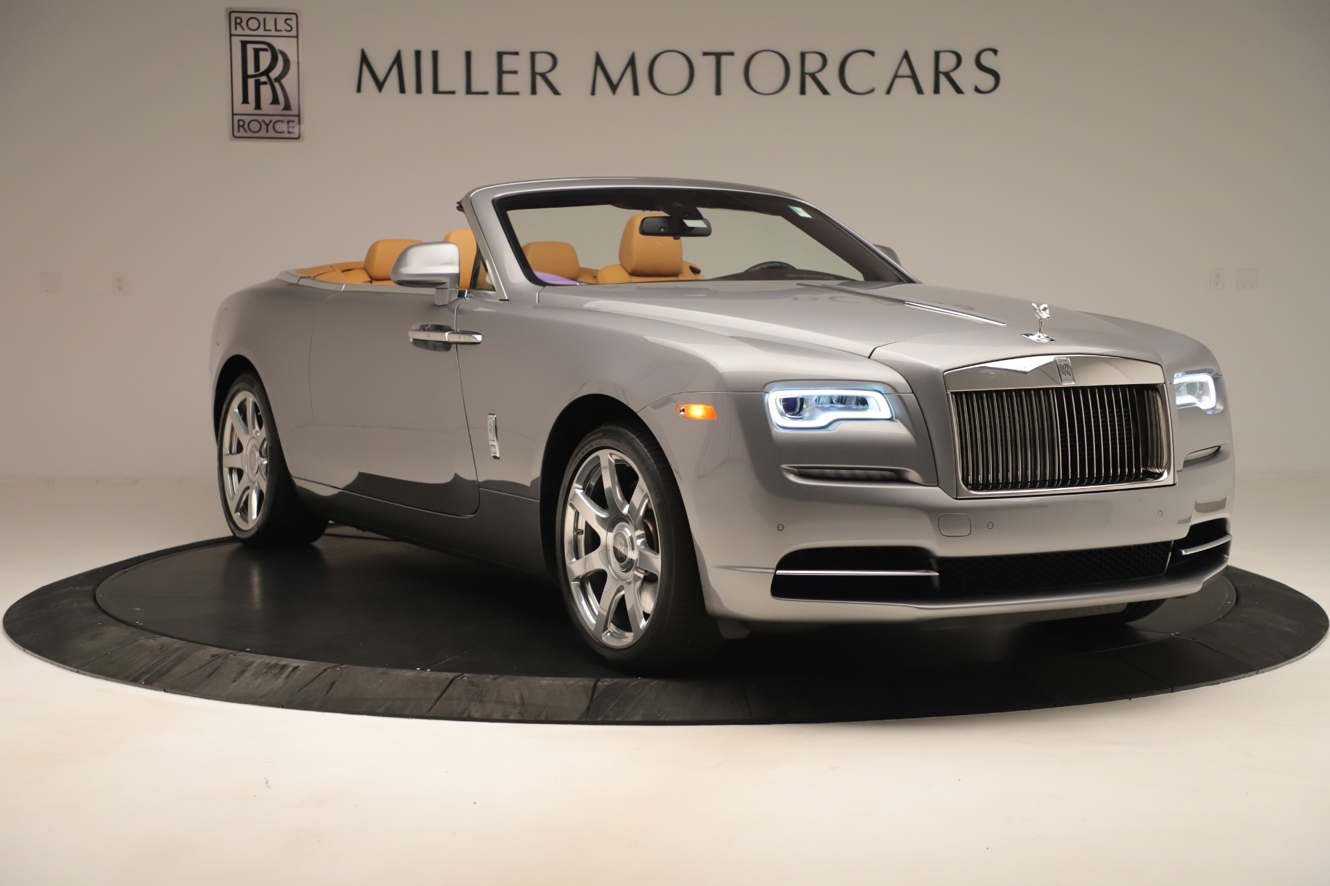 Used 2016 Rolls-Royce Dawn  For Sale In Westport, CT 3373_p8