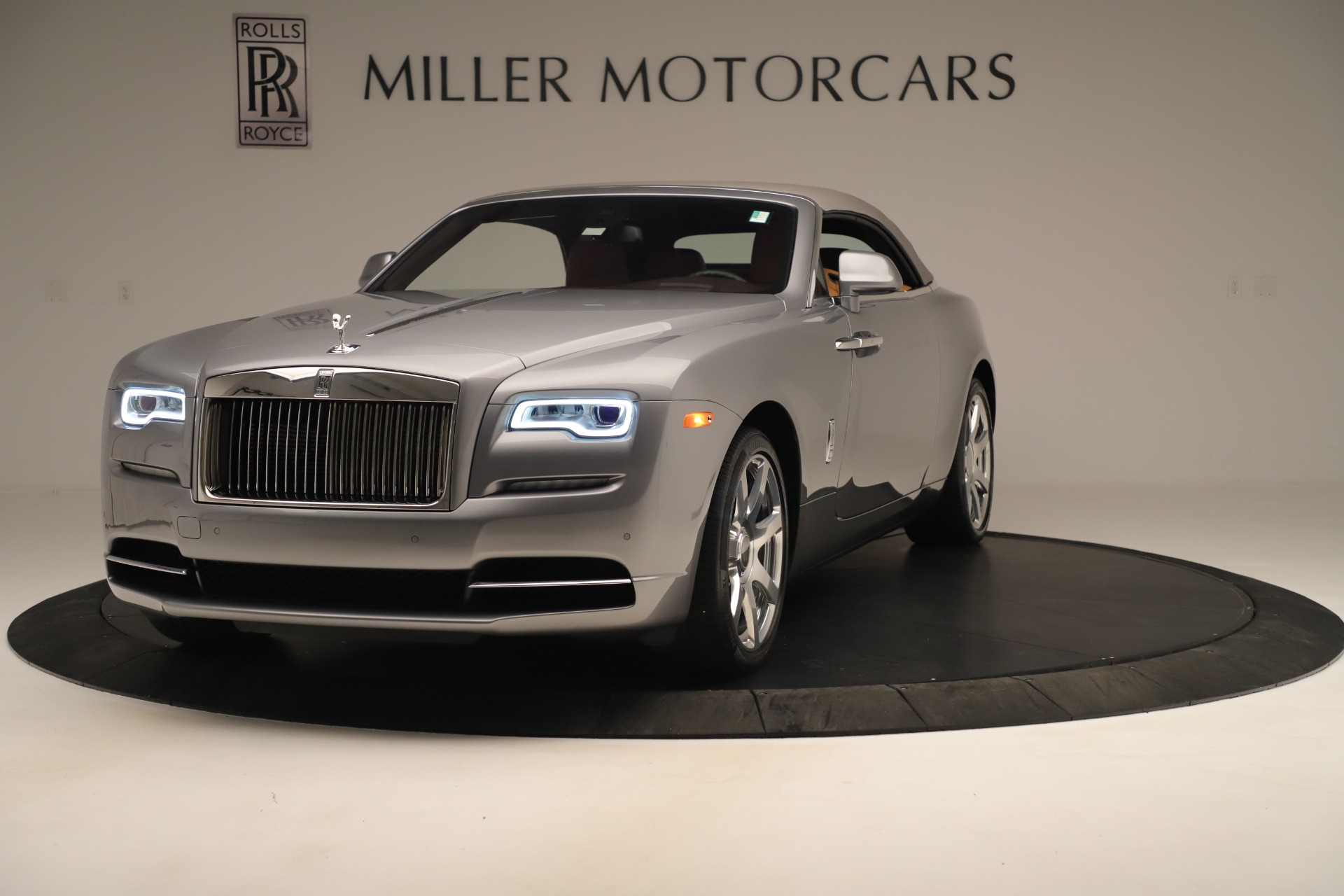 Used 2016 Rolls-Royce Dawn  For Sale In Westport, CT 3373_p9