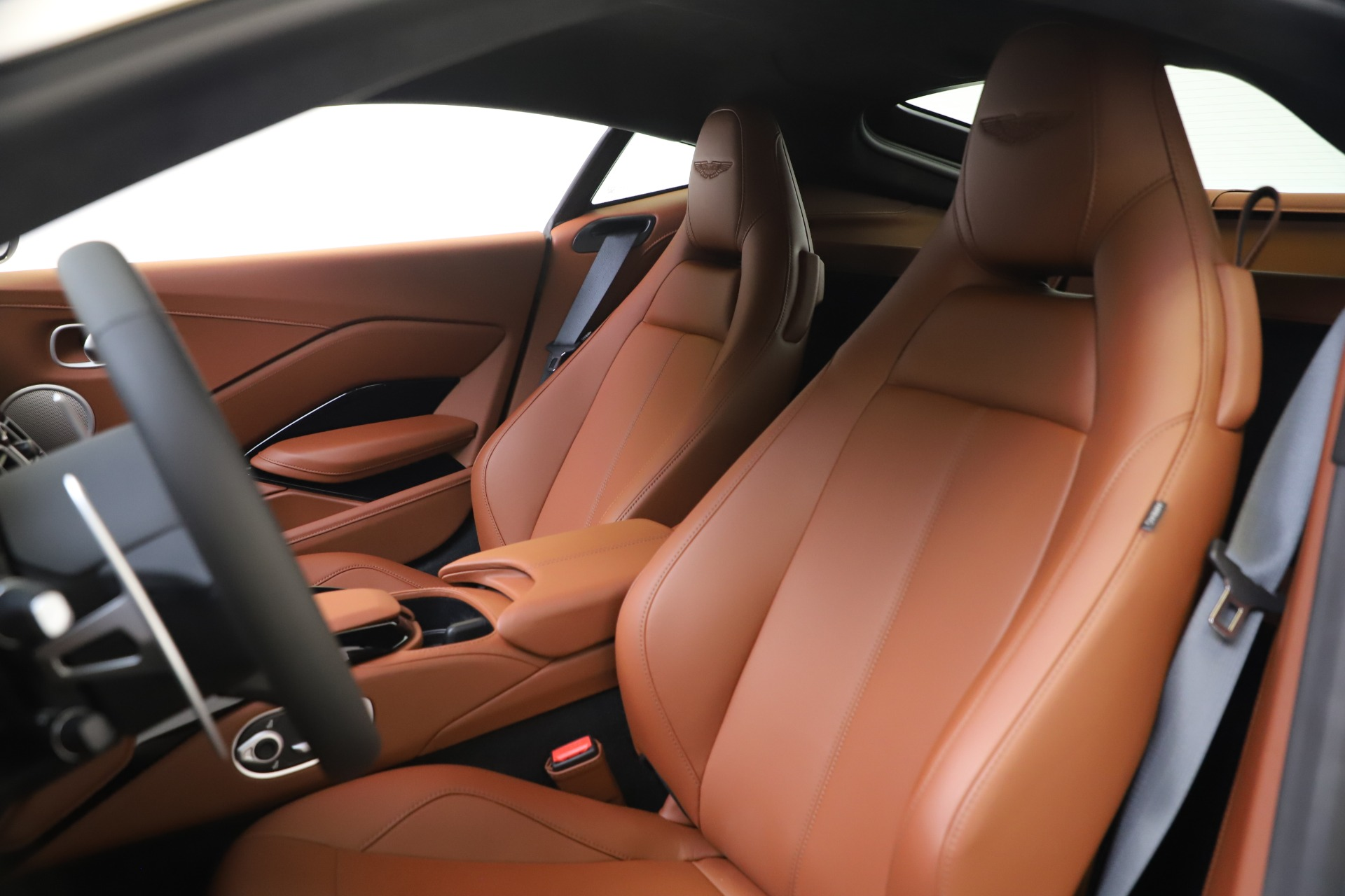 New 2020 Aston Martin Vantage V8 For Sale In Westport, CT 3378_p14