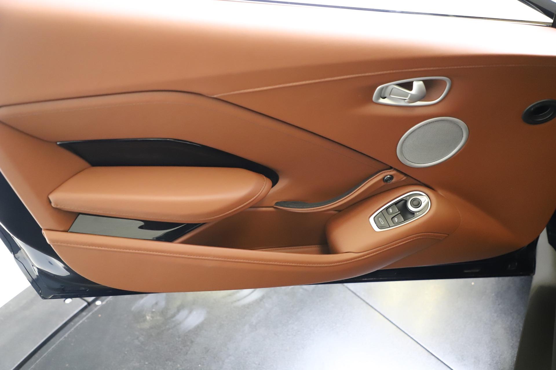 New 2020 Aston Martin Vantage V8 For Sale In Westport, CT 3378_p15