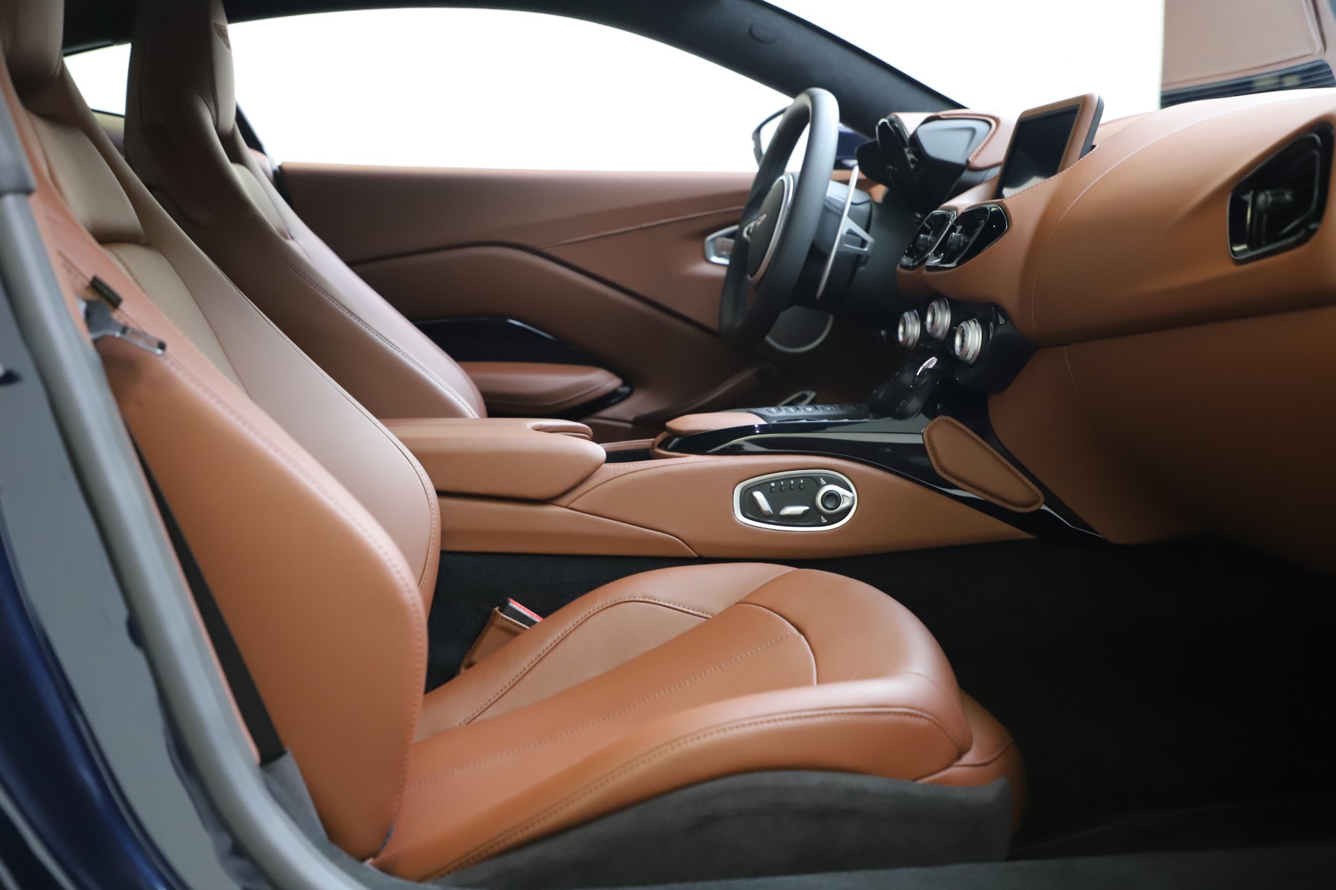 New 2020 Aston Martin Vantage Coupe For Sale In Westport, CT 3378_p17