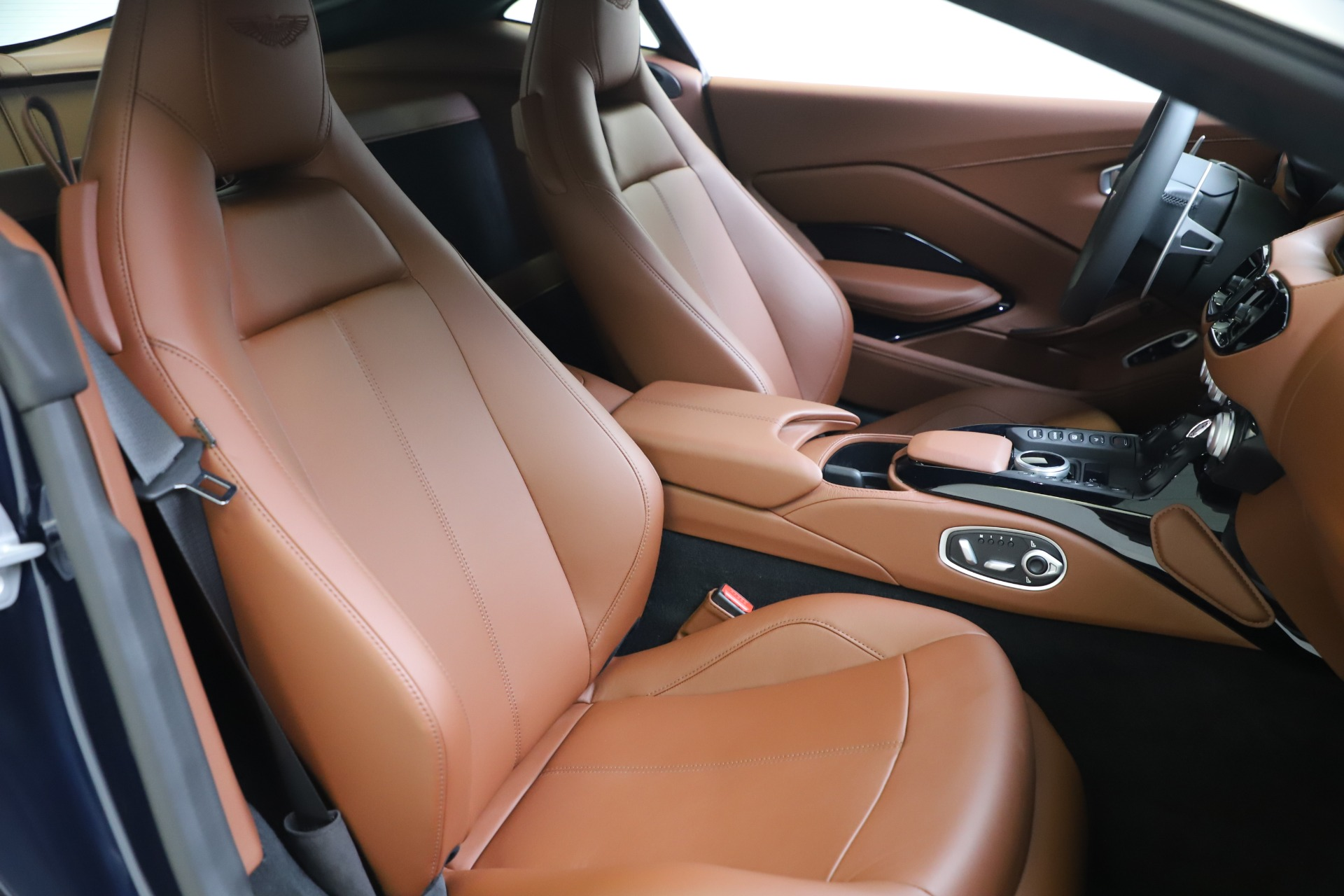 New 2020 Aston Martin Vantage Coupe For Sale In Westport, CT 3378_p18