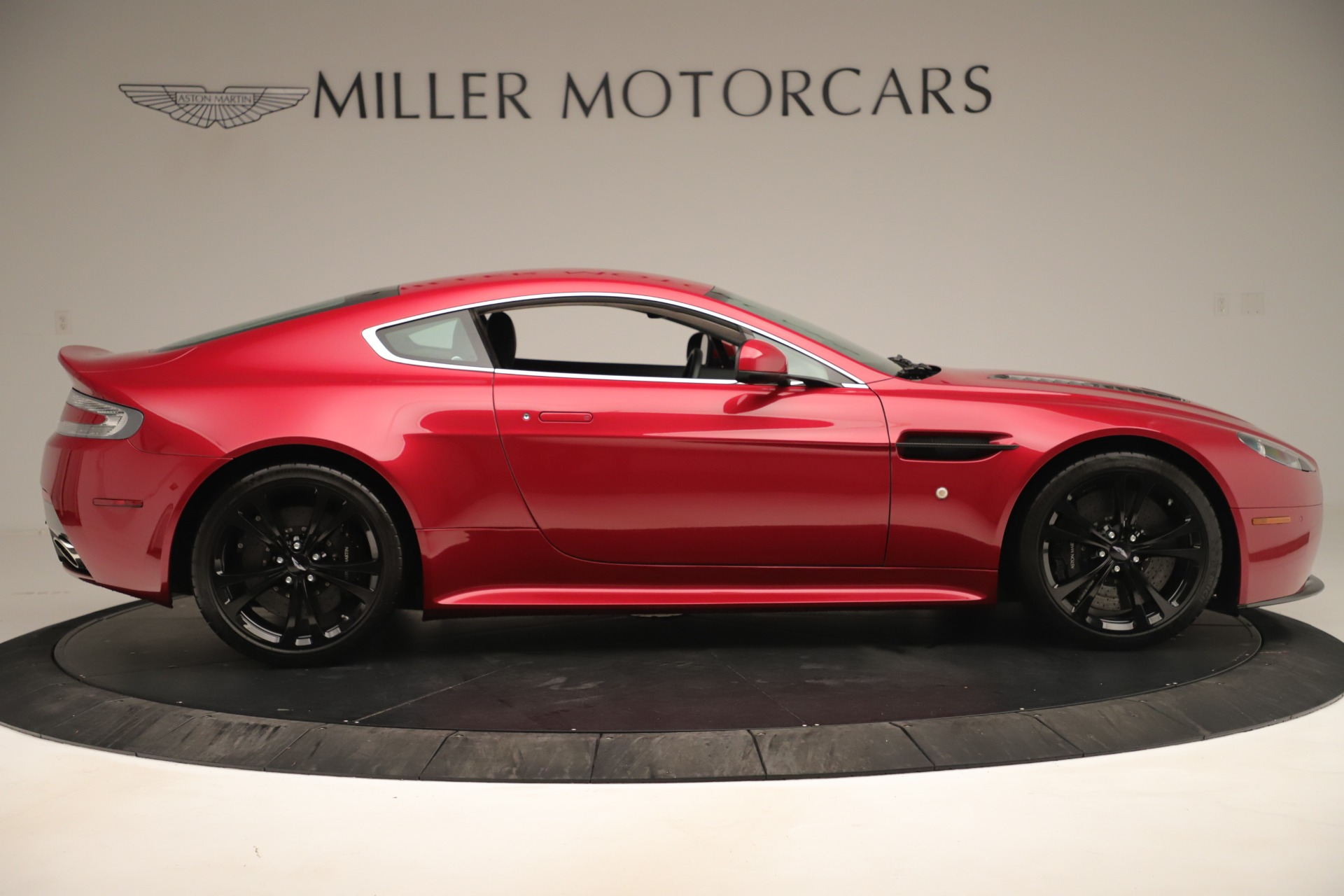 Used 2011 Aston Martin V12 Vantage Coupe For Sale In Westport, CT 3395_p11