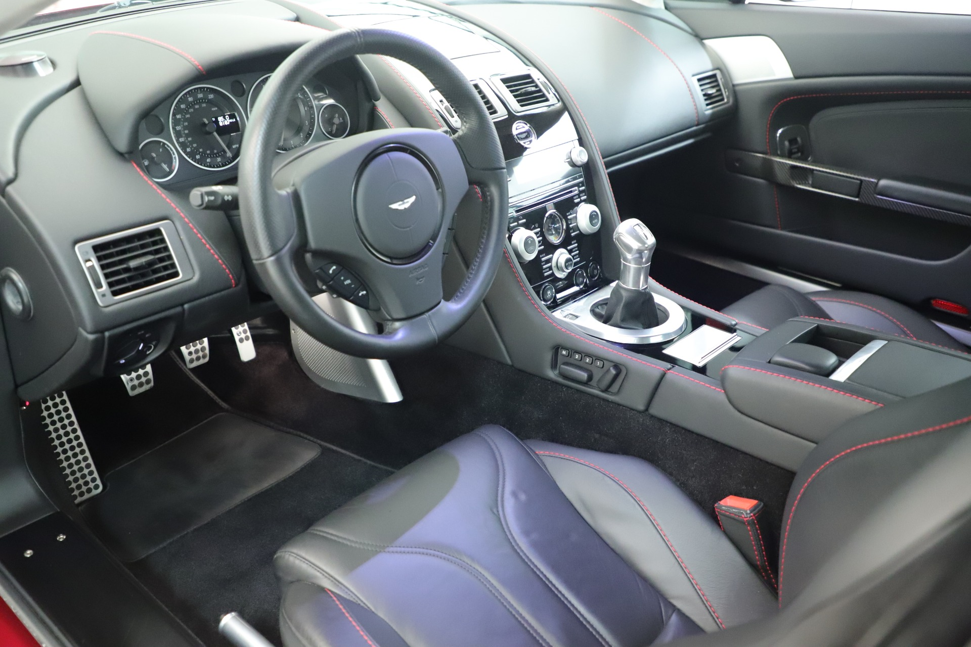 Used 2011 Aston Martin V12 Vantage Coupe For Sale In Westport, CT 3395_p20