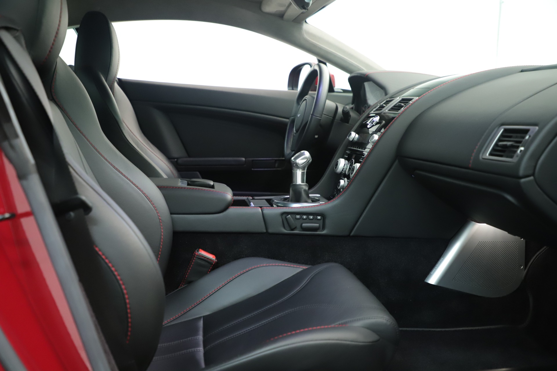 Used 2011 Aston Martin V12 Vantage Coupe For Sale In Westport, CT 3395_p27