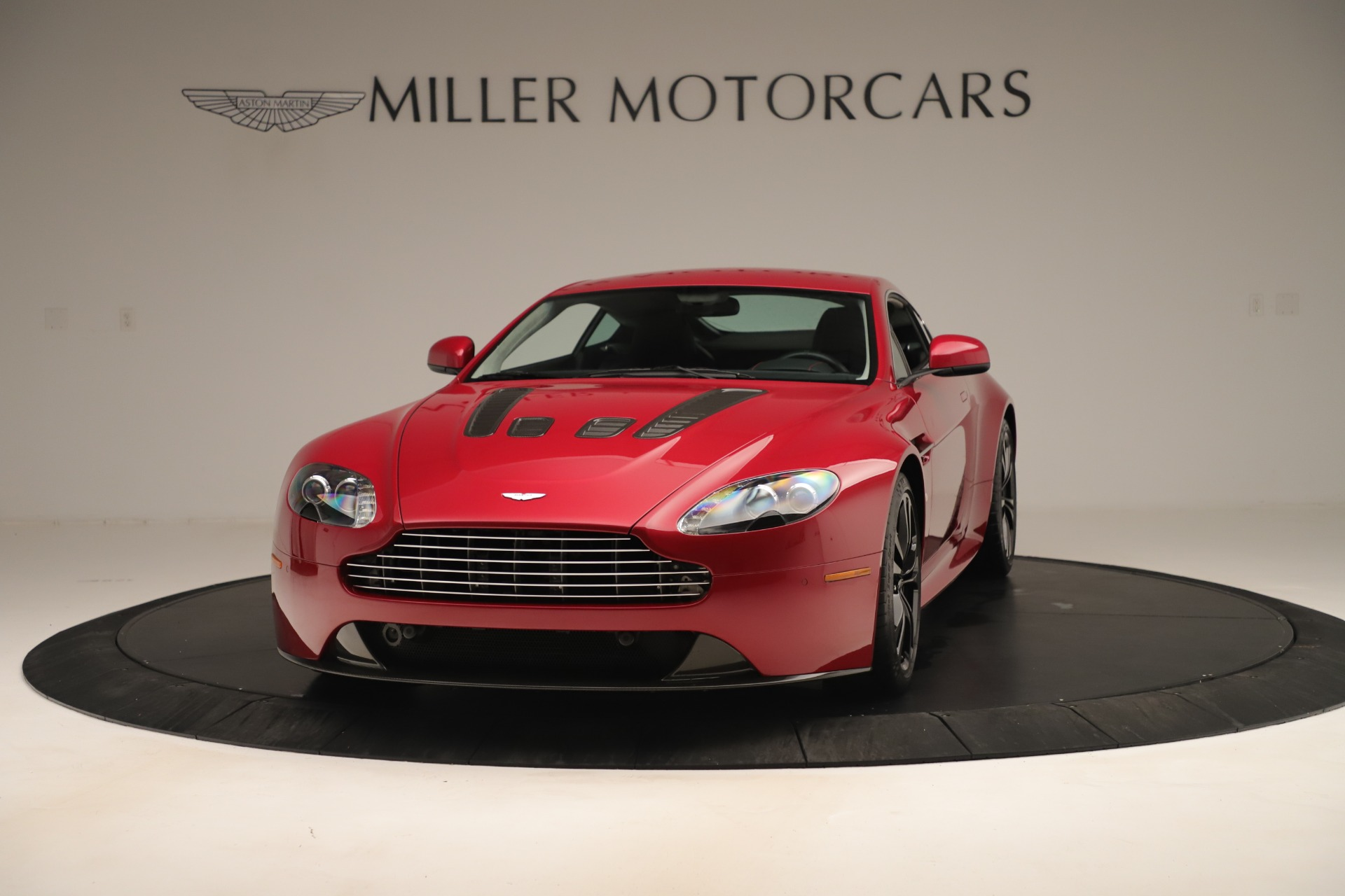 Used 2011 Aston Martin V12 Vantage Coupe For Sale In Westport, CT 3395_p2