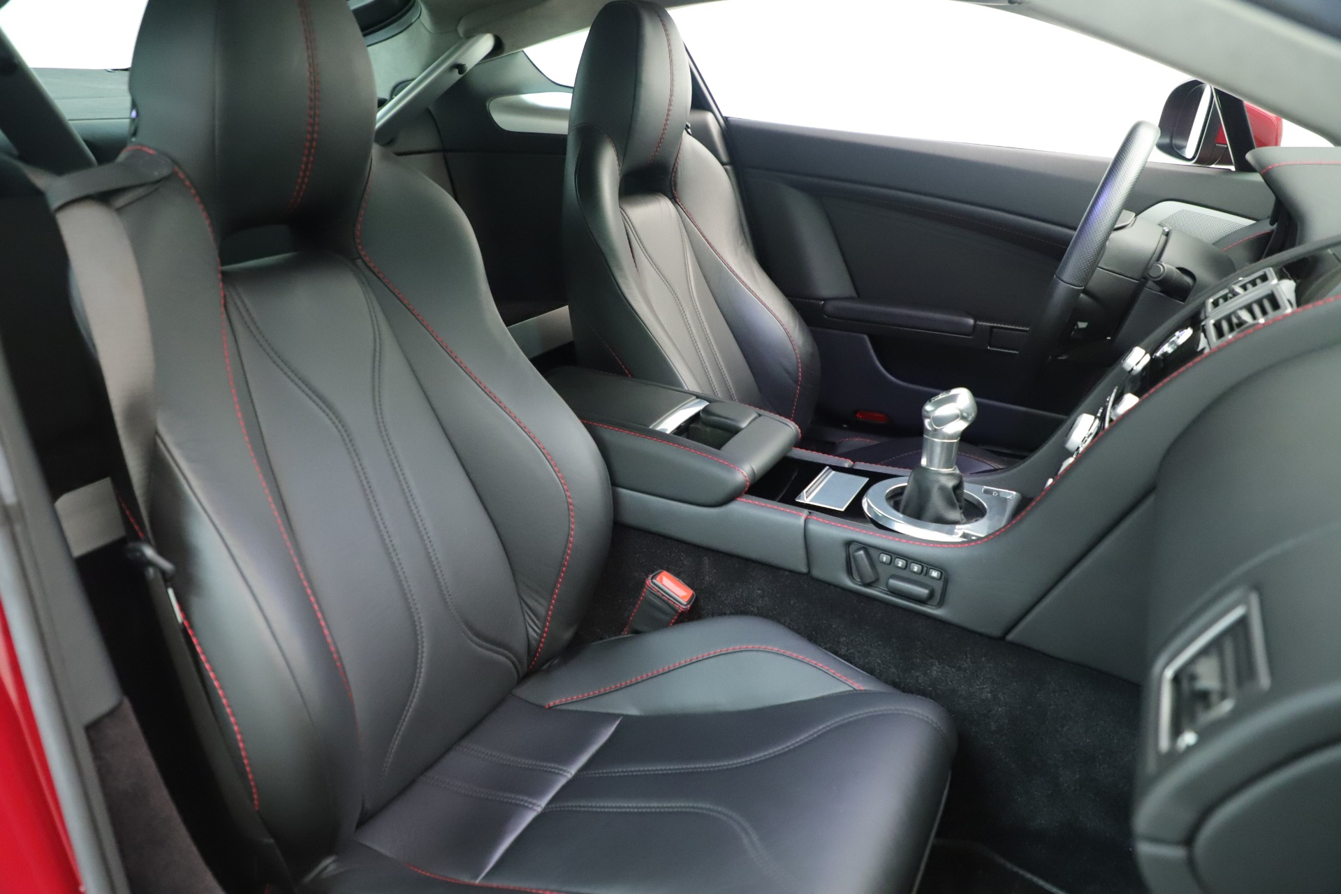 Used 2011 Aston Martin V12 Vantage Coupe For Sale In Westport, CT 3395_p31