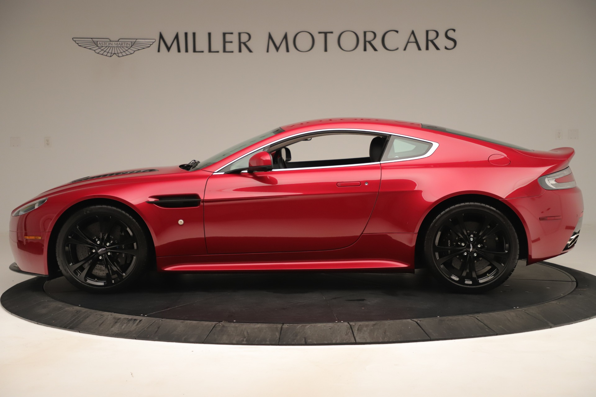 Used 2011 Aston Martin V12 Vantage Coupe For Sale In Westport, CT 3395_p3