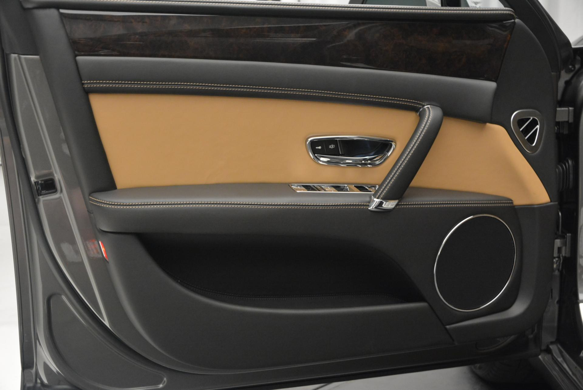 Used 2016 Bentley Flying Spur V8  For Sale In Westport, CT 34_p24