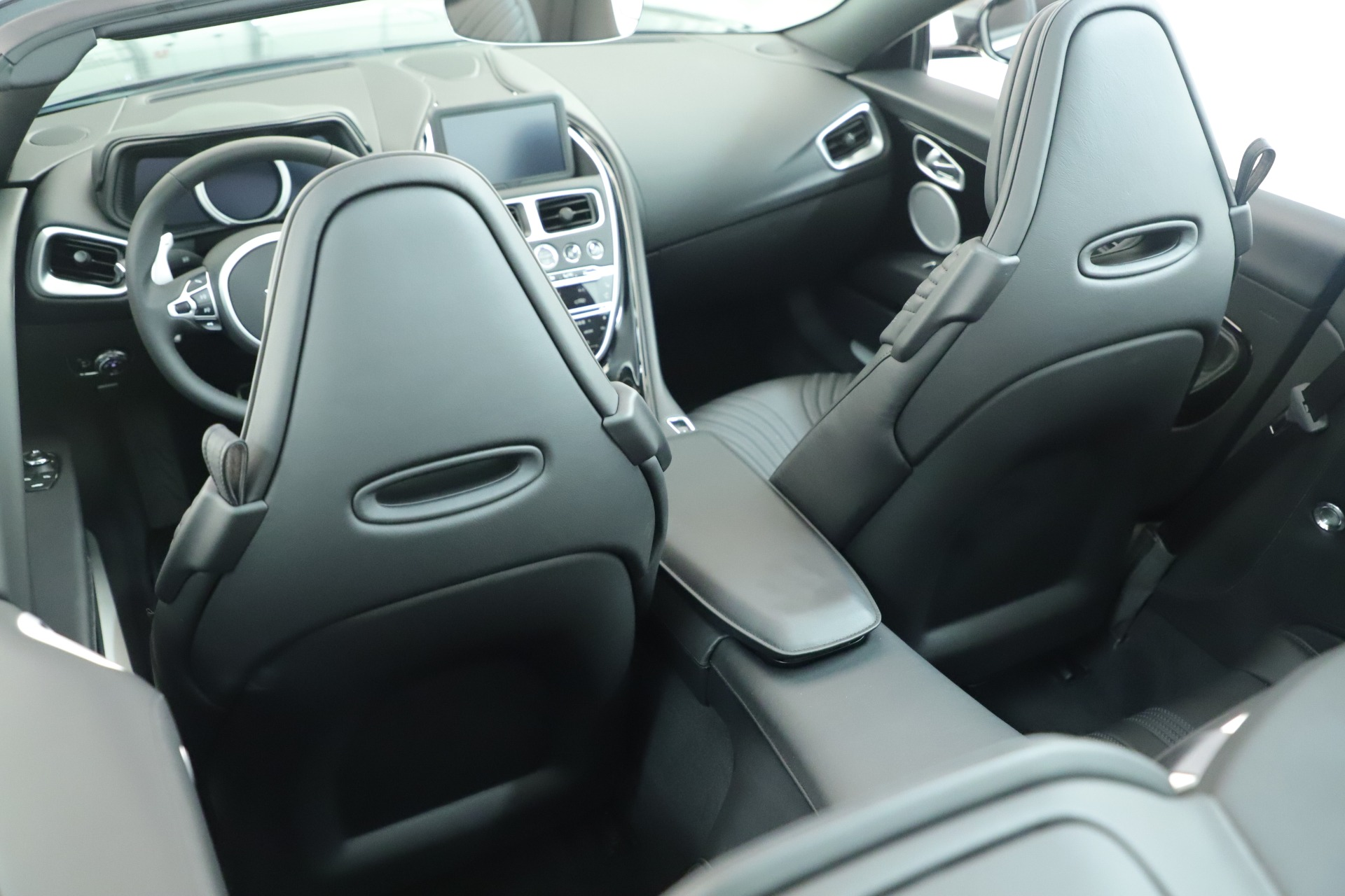 New 2019 Aston Martin DB11 V8 For Sale In Westport, CT 3400_p15