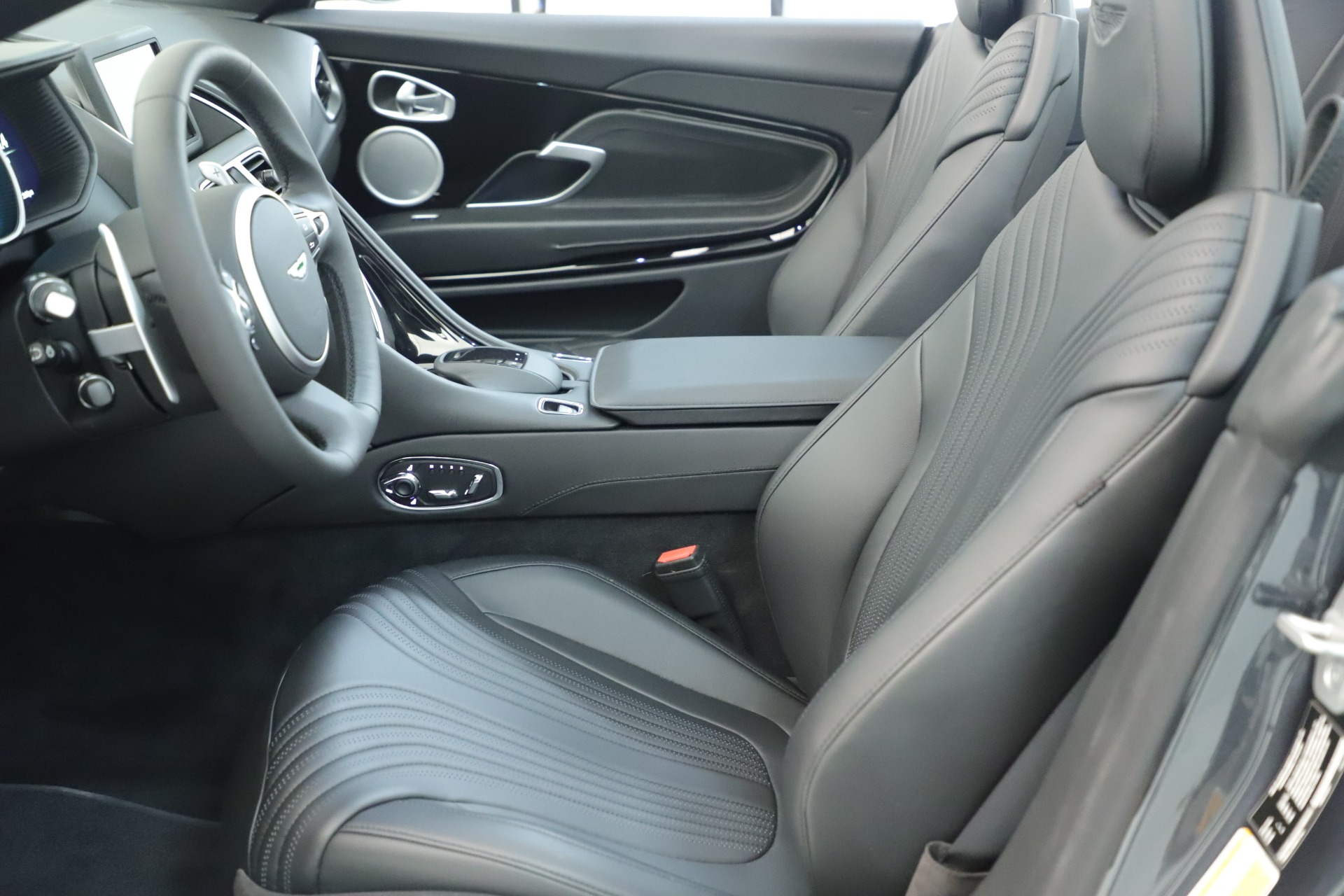 New 2019 Aston Martin DB11 V8 For Sale In Westport, CT 3400_p23