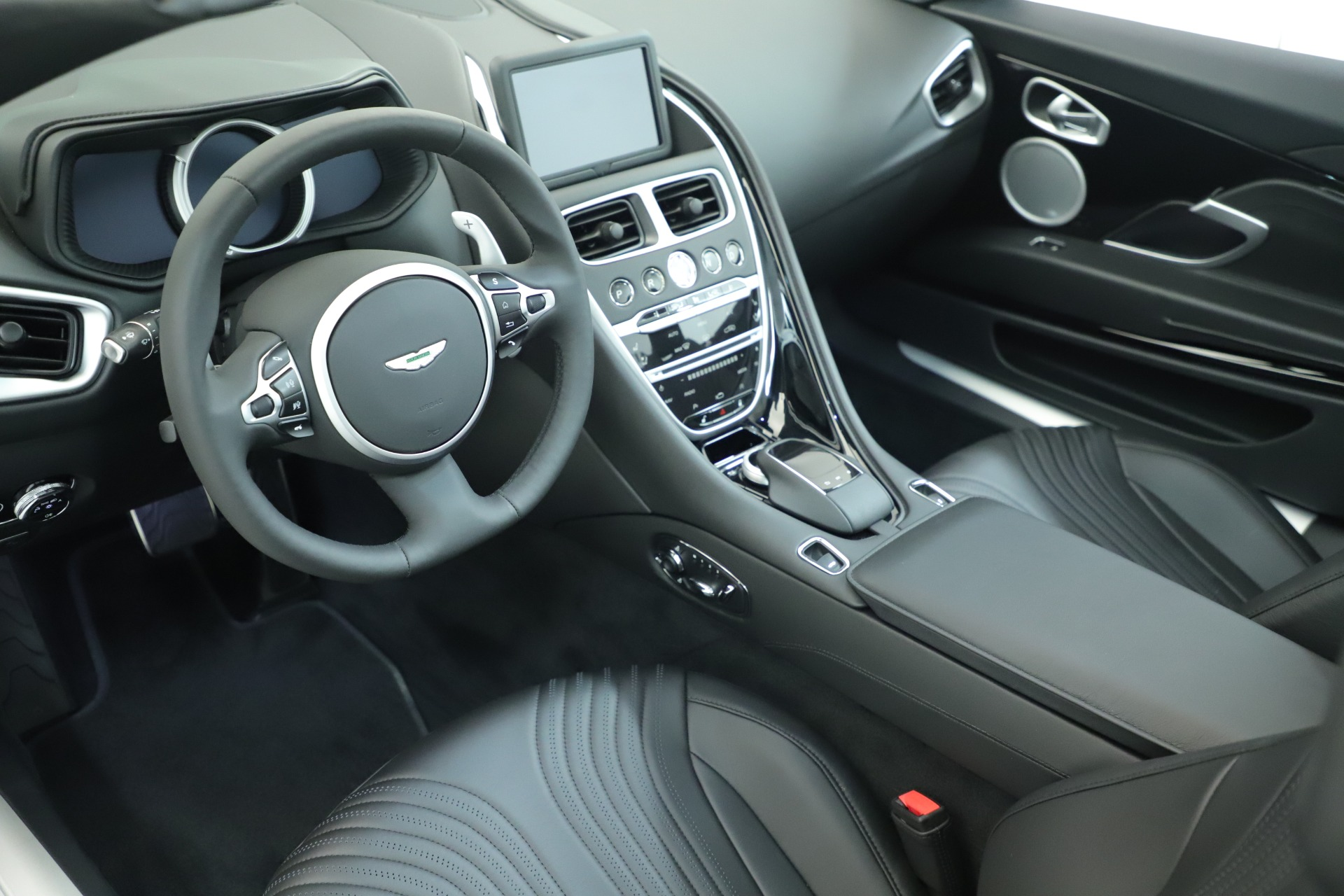 New 2019 Aston Martin DB11 V8 For Sale In Westport, CT 3400_p24