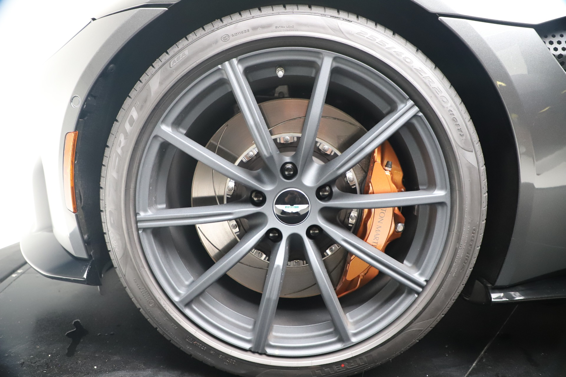 New 2020 Aston Martin Vantage V8 For Sale In Westport, CT 3408_p21