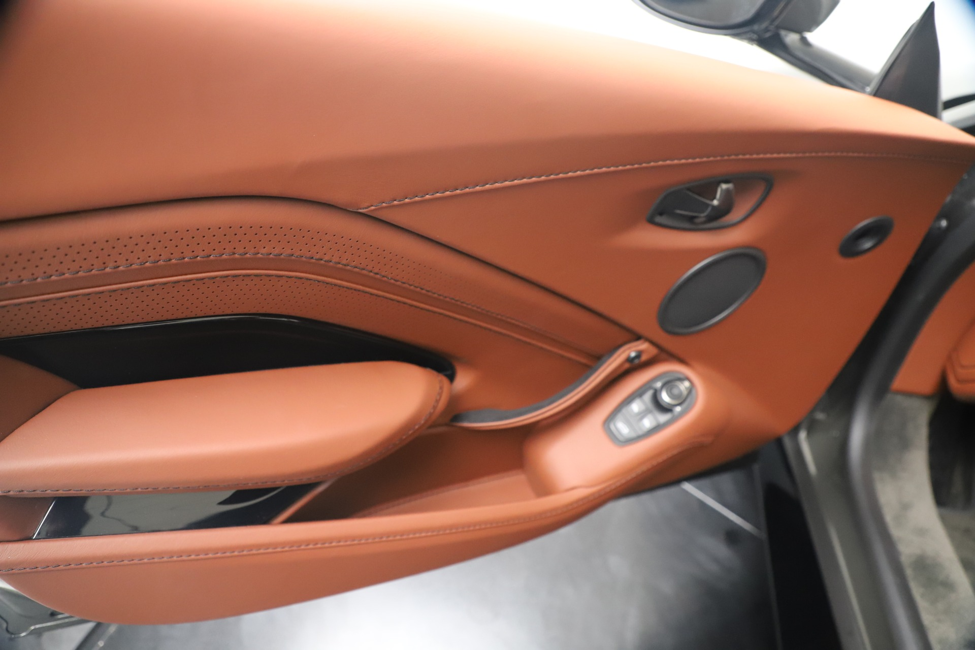 New 2020 Aston Martin Vantage  For Sale In Westport, CT 3409_p16