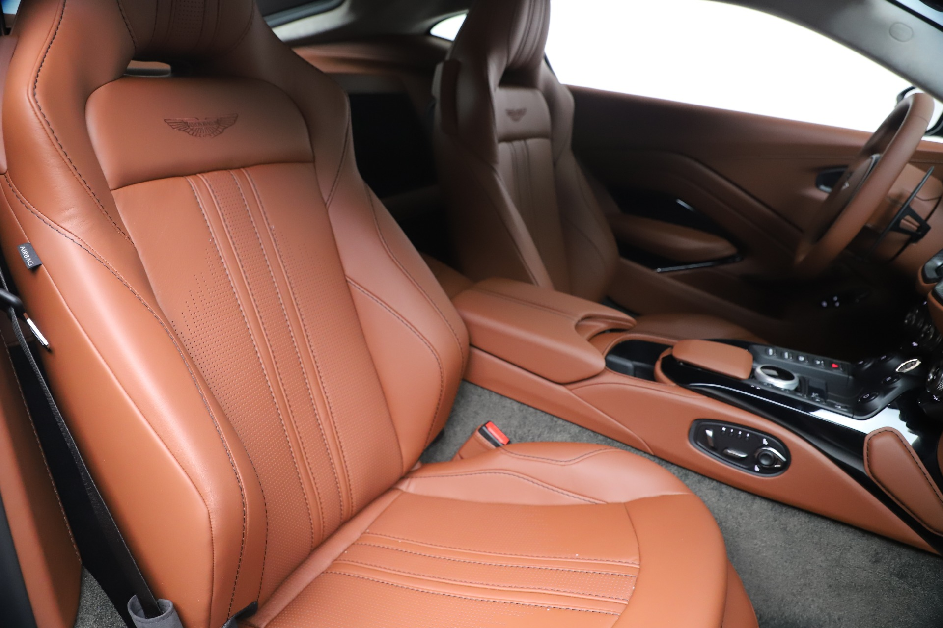 New 2020 Aston Martin Vantage  For Sale In Westport, CT 3409_p19