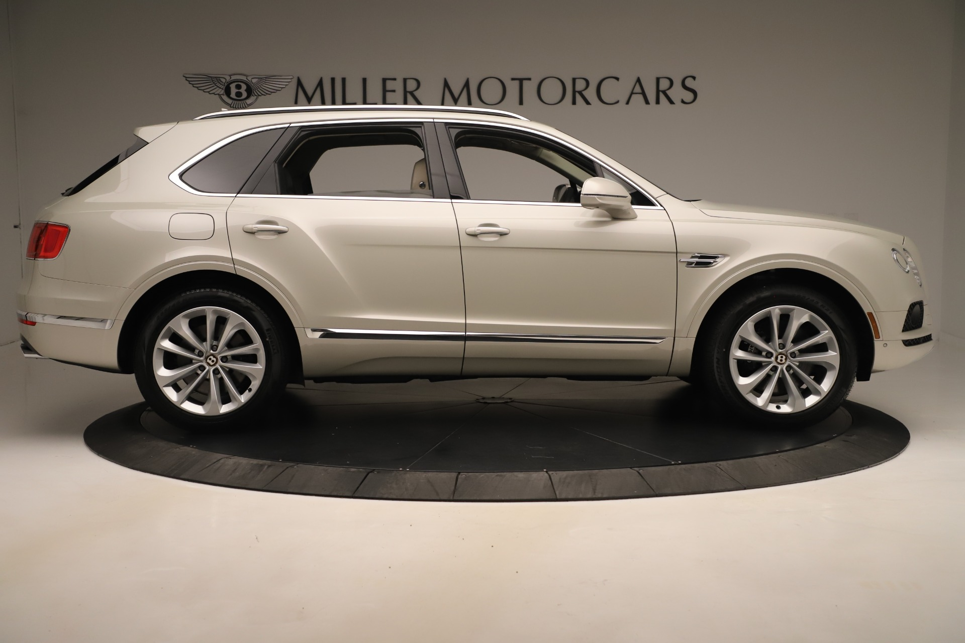 New 2020 Bentley Bentayga V8 For Sale In Westport, CT 3419_p9