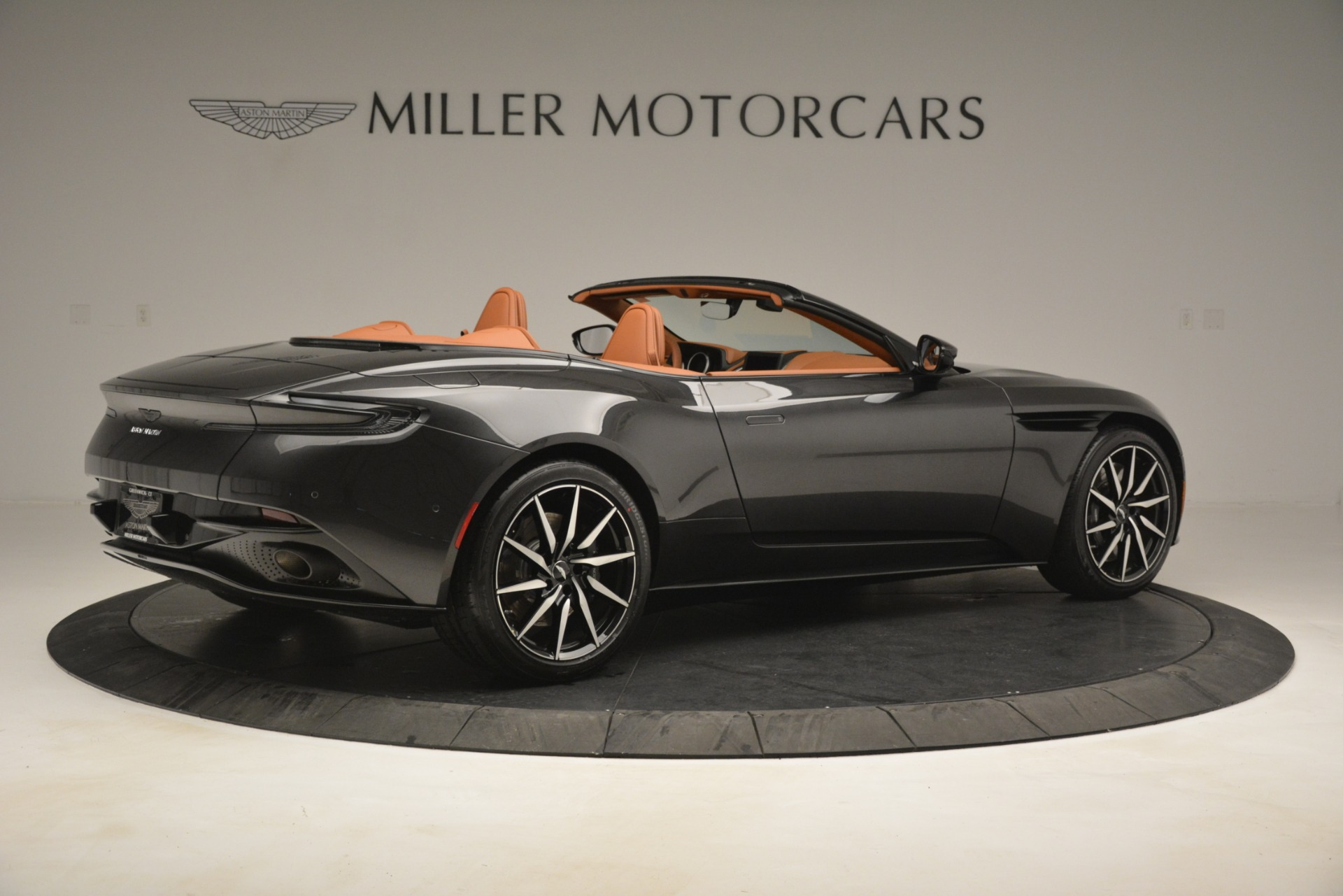 Used 2019 Aston Martin DB11 V8 Volante For Sale In Westport, CT 3434_p7