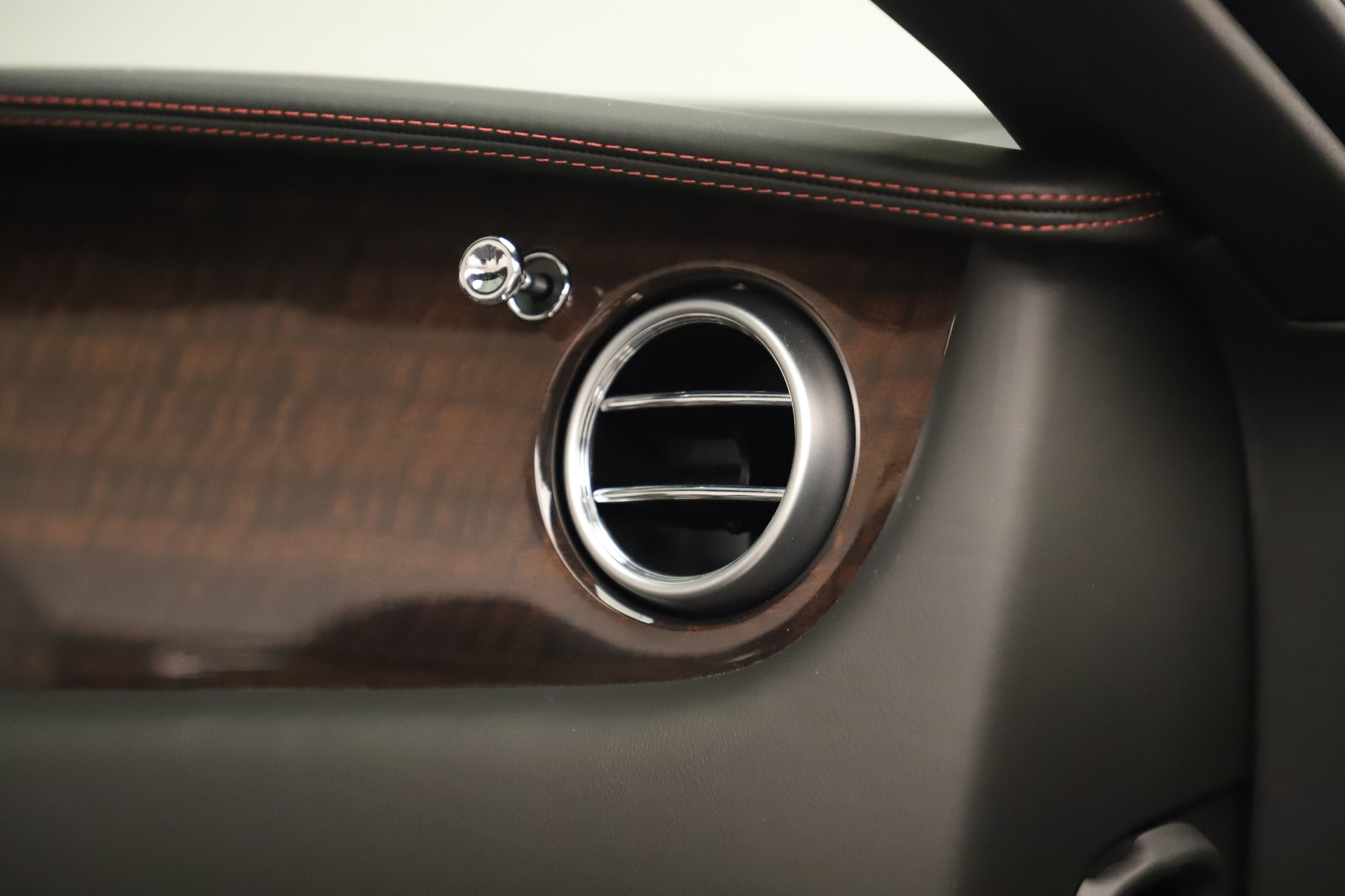 Used 2014 Bentley Continental GT V8 For Sale In Westport, CT 3435_p32