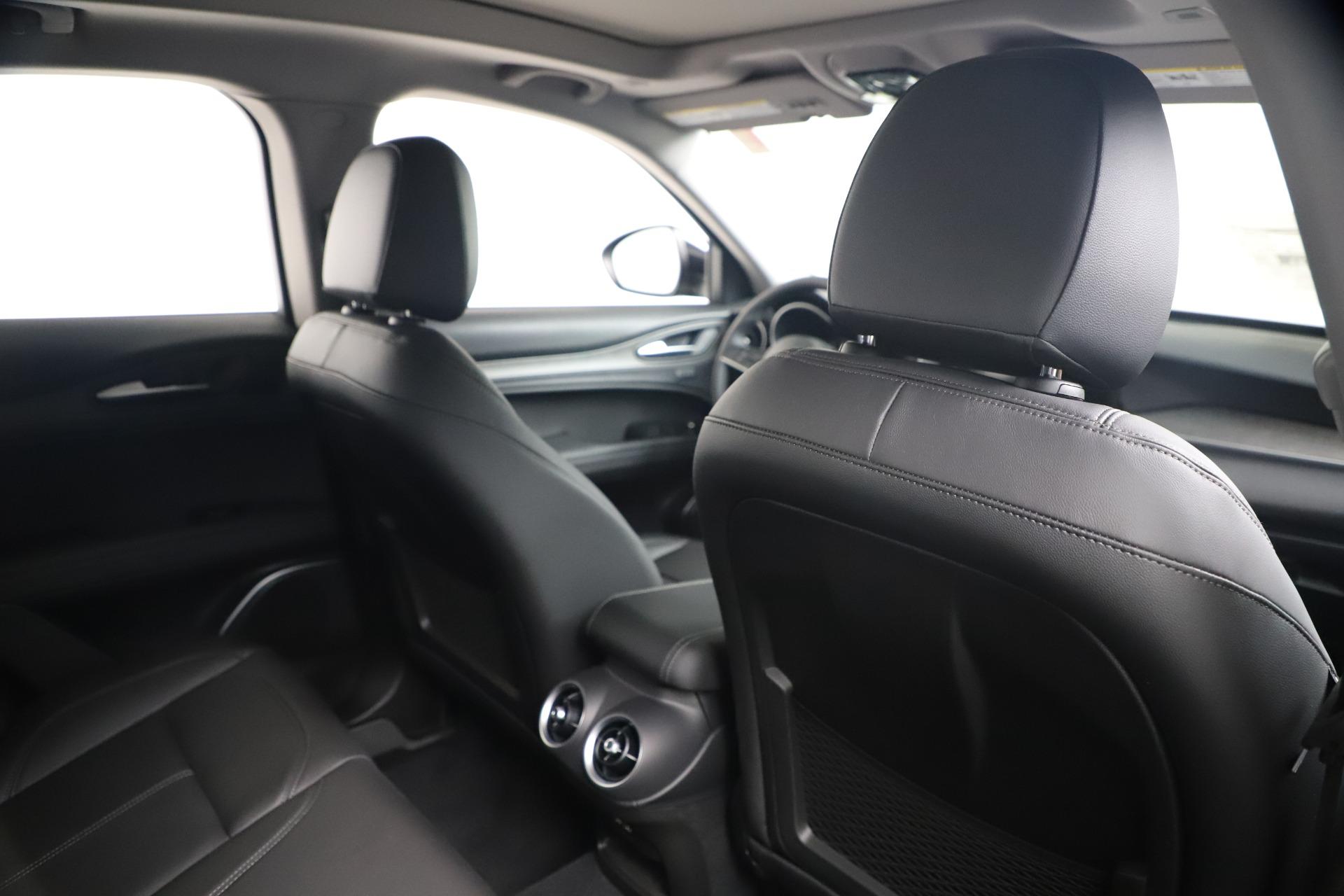 New 2019 Alfa Romeo Stelvio Ti Q4 For Sale In Westport, CT 3439_p28