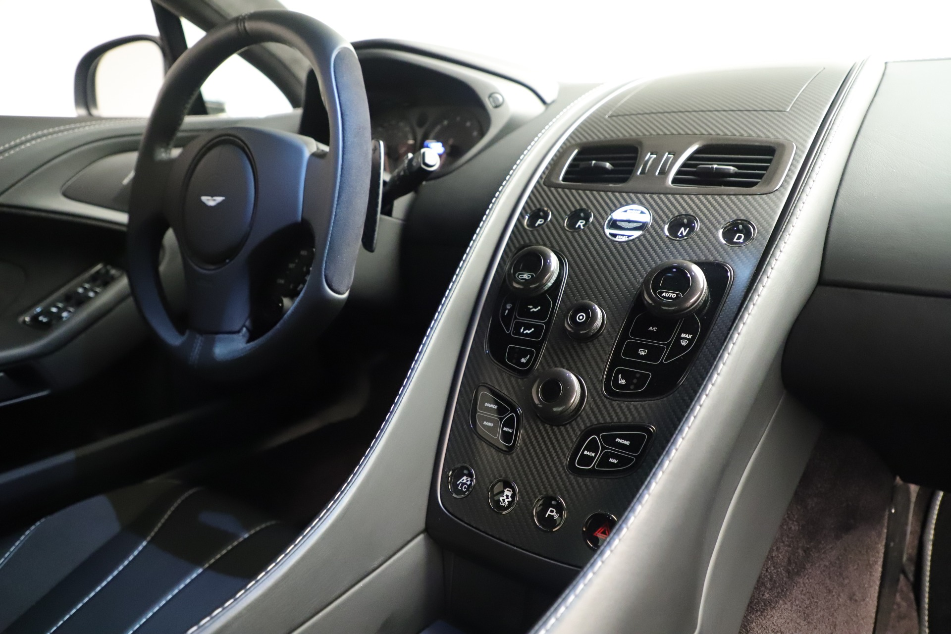 Used 2014 Aston Martin Vanquish Coupe For Sale In Westport, CT 3445_p17