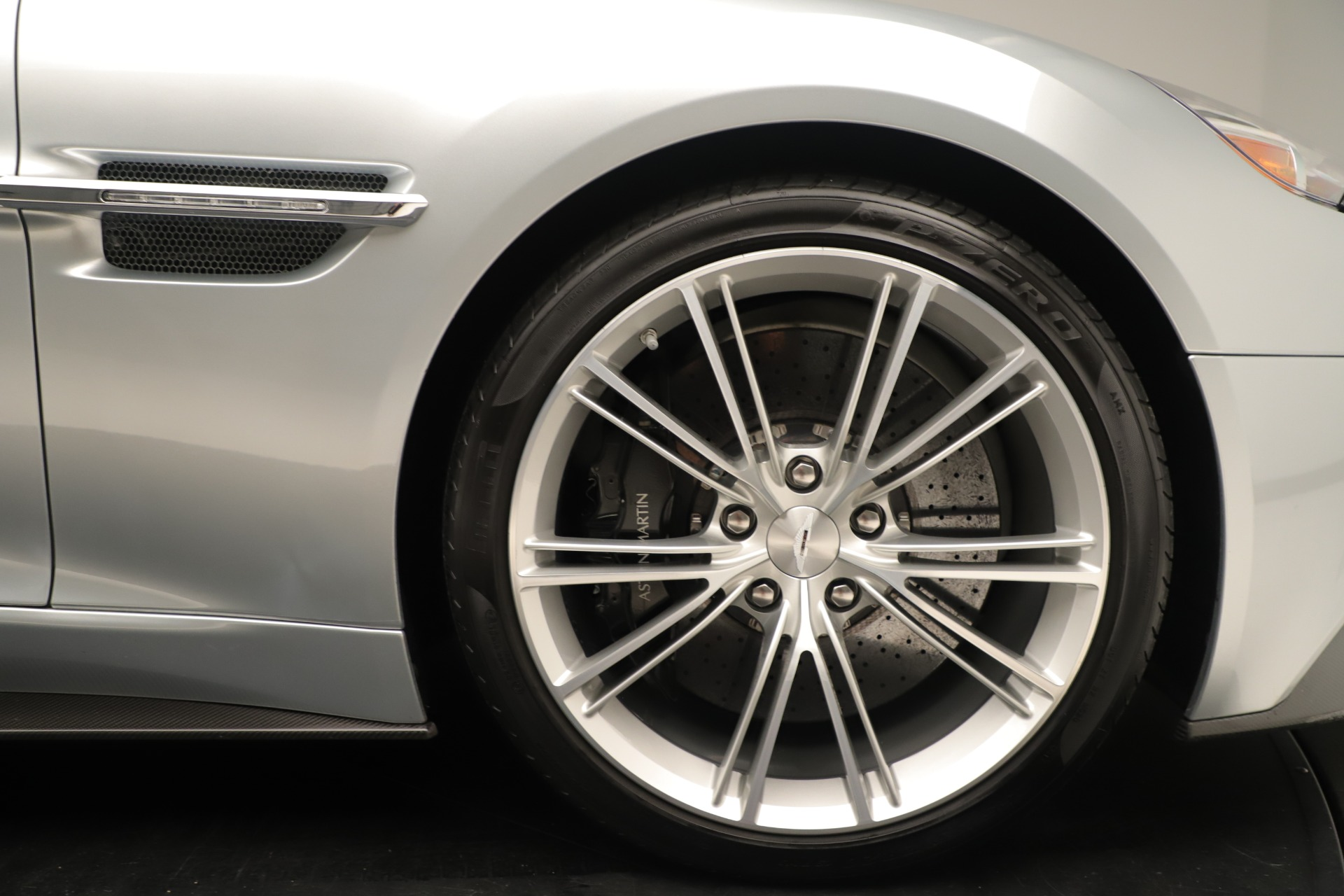 Used 2014 Aston Martin Vanquish Coupe For Sale In Westport, CT 3445_p19