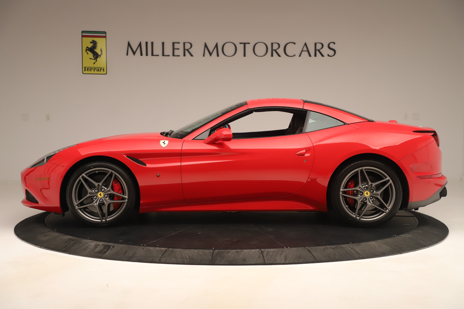 Used 2016 Ferrari California T  For Sale In Westport, CT 3446_p14